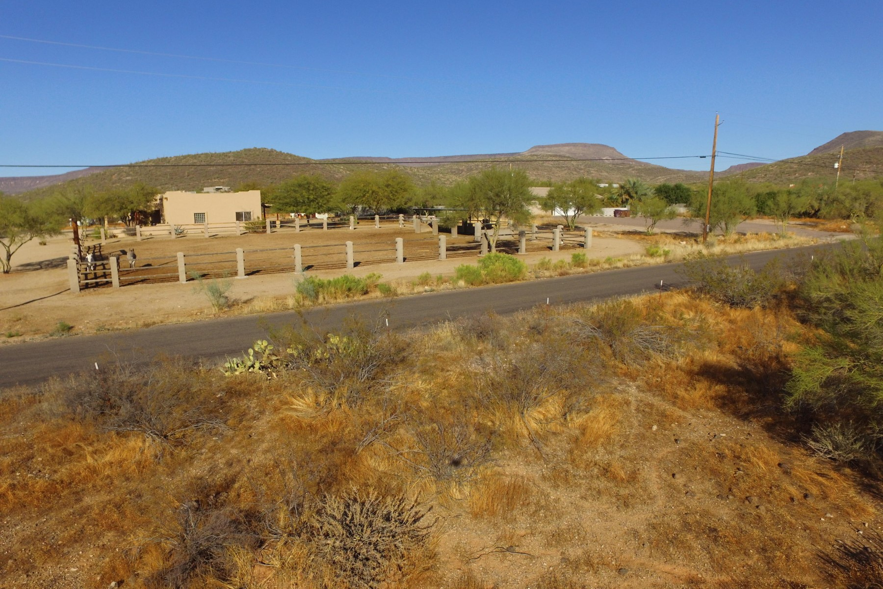 Additional photo for property listing at Lovely New River lot 43215 N 22nd St New River, Arizona 85087 United States