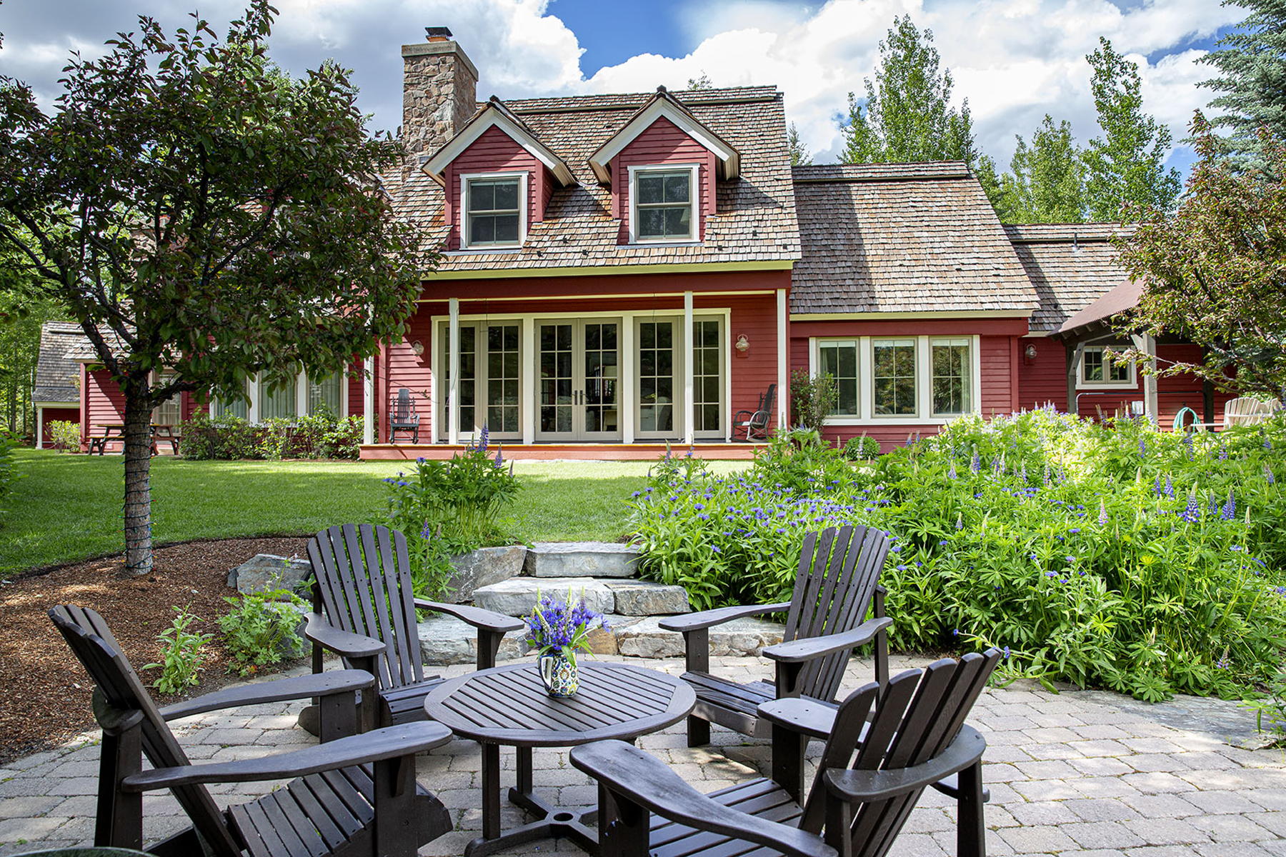 Single Family Homes for Sale at Charming Riverfront Farmhouse-Inspired Home 107 Chocolate Gulch Rd Ketchum, Idaho 83340 United States
