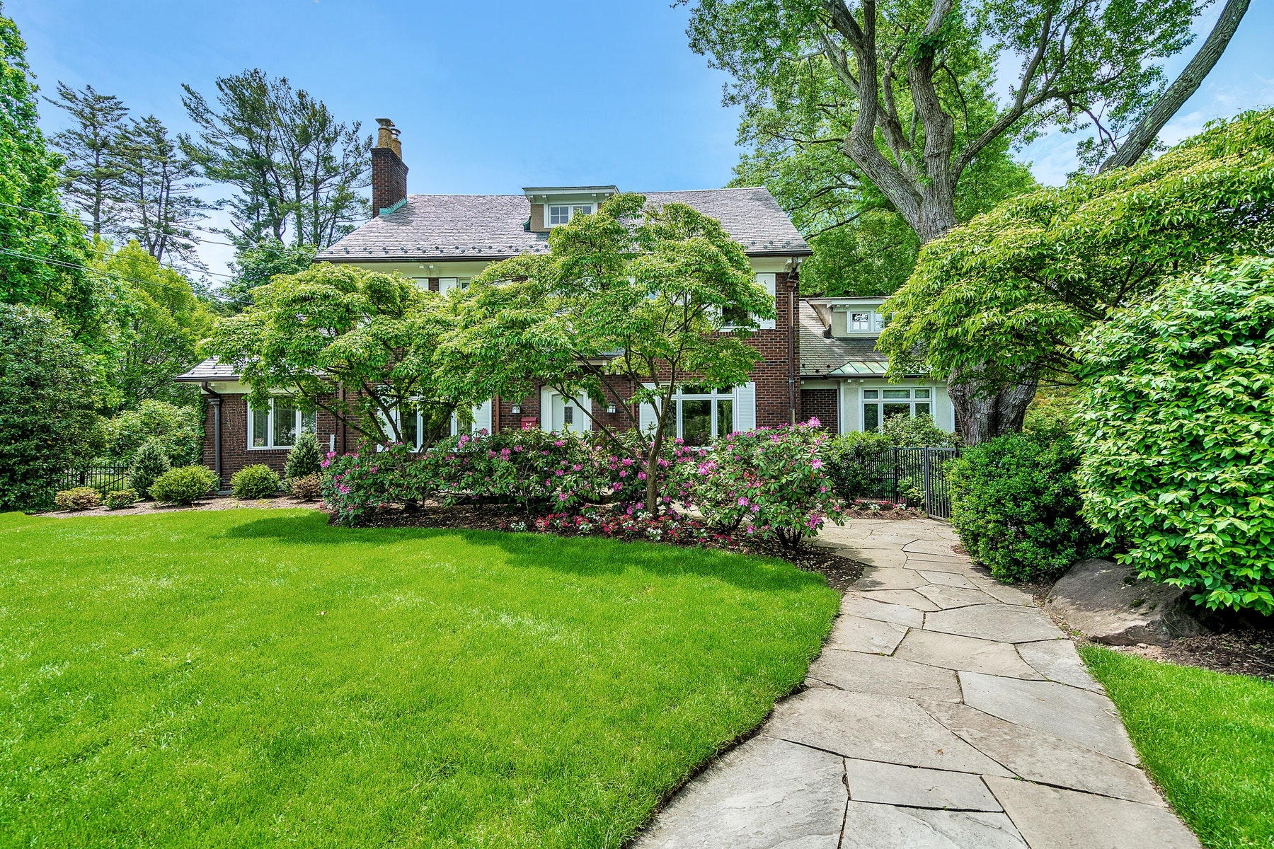 Single Family Homes for Sale at Experience Timeless Elegance When You Enter This Georgian Colonial. 34 Maynard Court Ridgewood, New Jersey 07450 United States