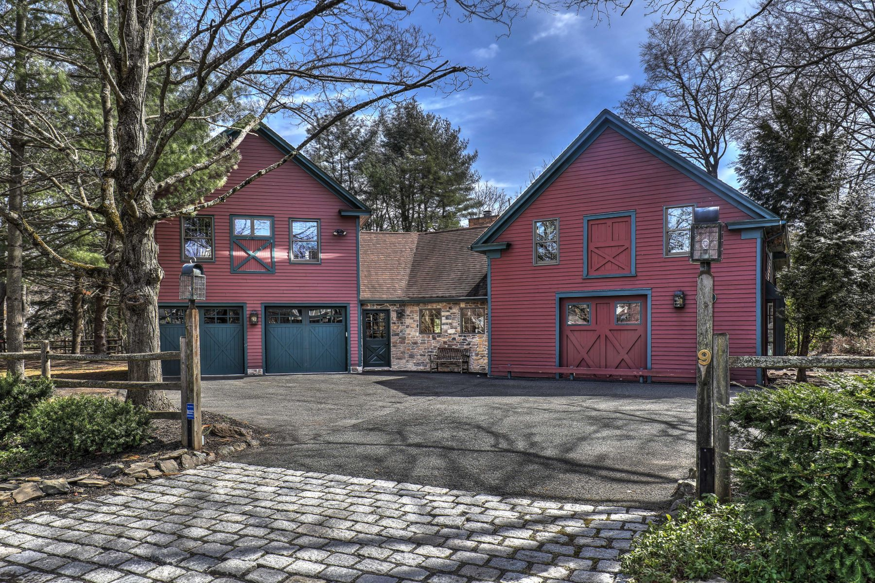 Single Family Homes للـ Sale في Chic Architectural Experience 9 Monroe Place, Basking Ridge, New Jersey 07920 United States