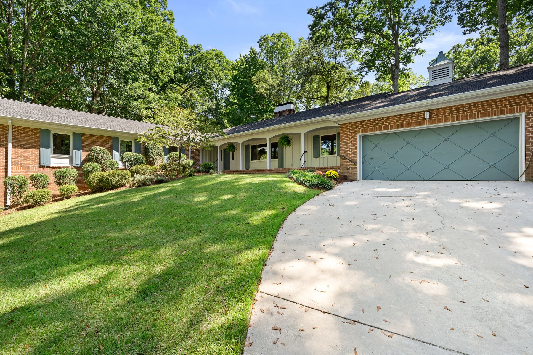 Single Family Homes for Active at 218 Sweetbriar Road Greenville, South Carolina 29615 United States