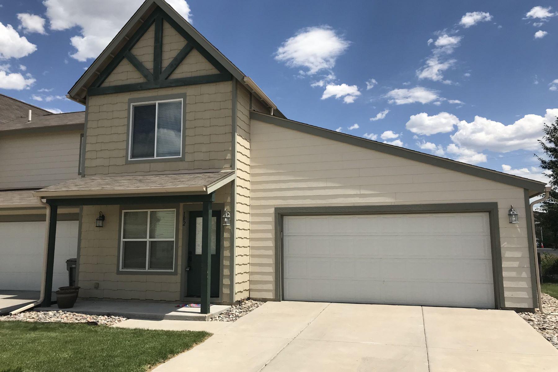 Casa Unifamiliar por un Venta en Charming Willow Ranch Home 102 W. 26th Street Rifle, Colorado 81650 Estados Unidos
