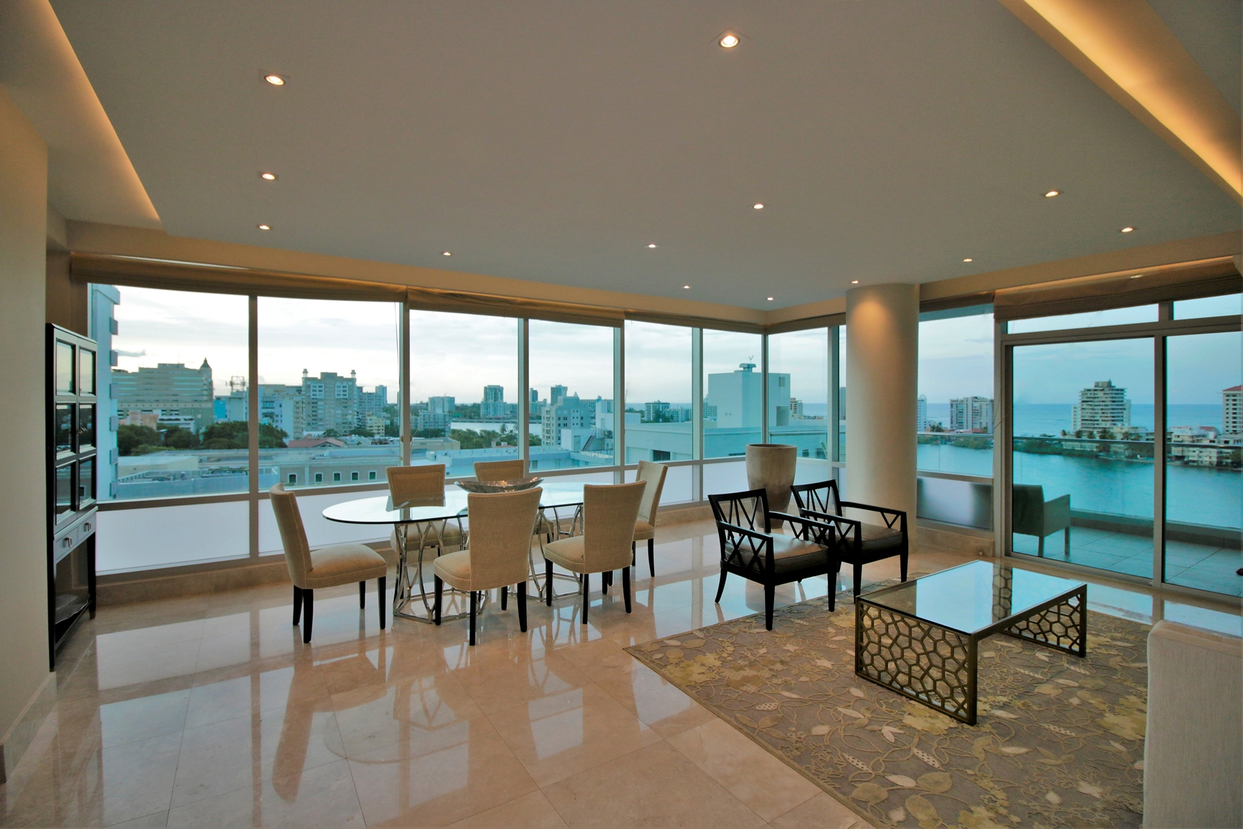 شقة بعمارة للـ Sale في Boundless Ocean View Contemporary 555 Calle Monserrate apt 10D San Juan, 00907 Puerto Rico
