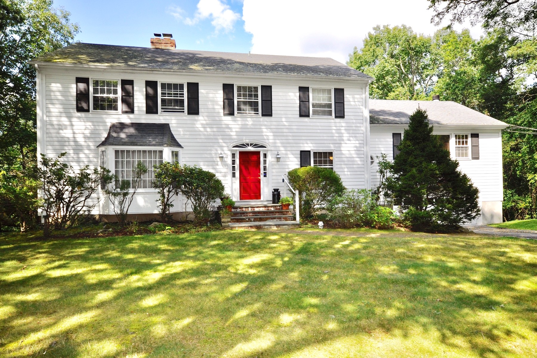 Single Family Homes for Sale at Lawrence Farms East Colonial 19 Kitchel Rd Mount Kisco, New York 10549 United States