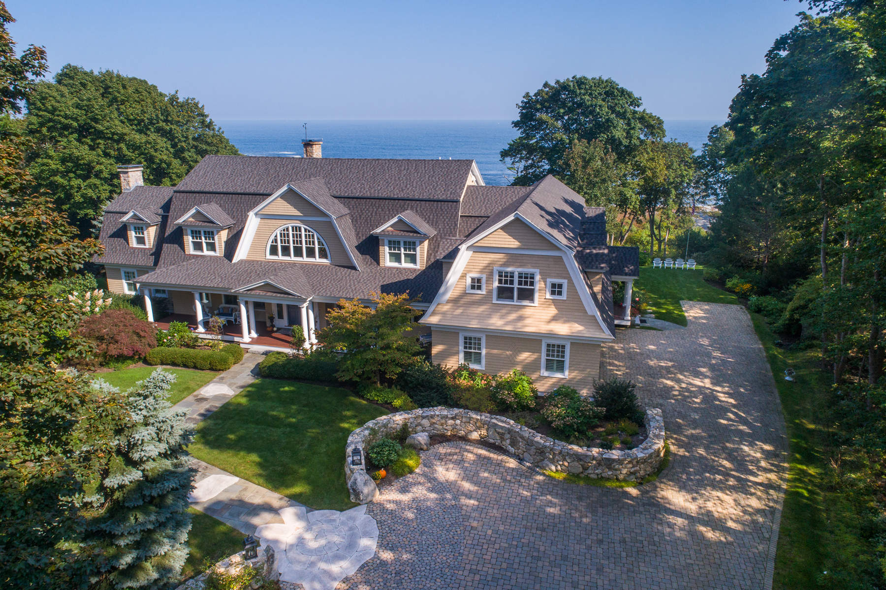 Maison unifamiliale pour l Vente à Custom Ocean View Home in Cape Neddick 65 Agamenticus Avenue, York, Maine, 03902 États-Unis