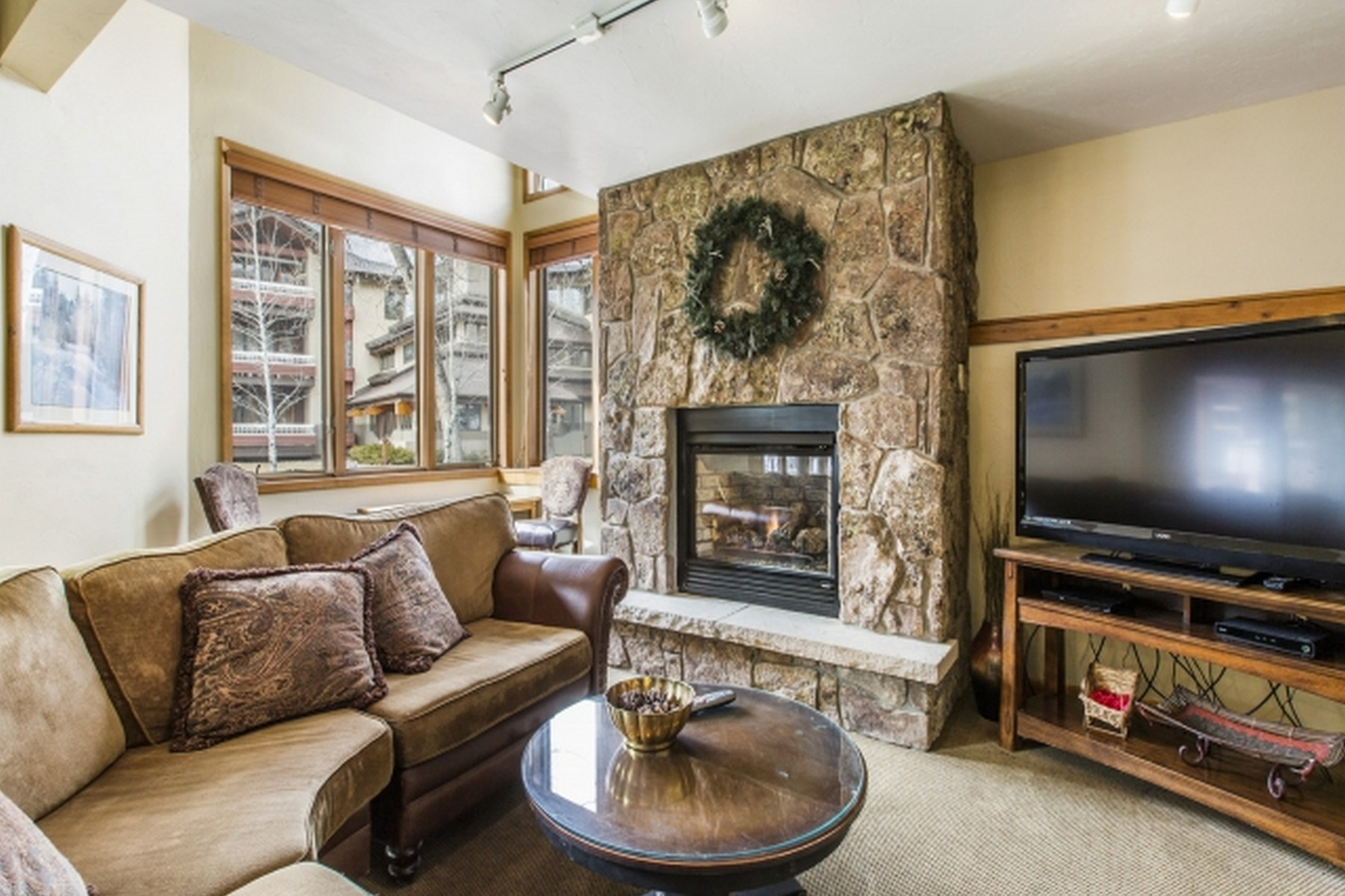 Additional photo for property listing at Toast Everyday At Champagne Lodge ~ Trappeur's Crossing Resort 1825 Medicine Springs Dr. #3110 Steamboat Springs, Colorado 80487 United States