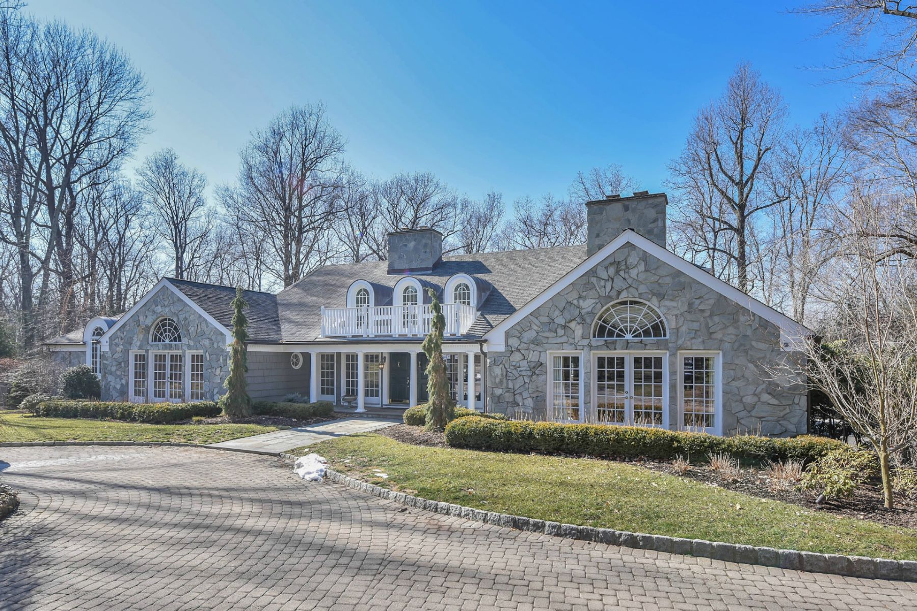 Single Family Home for Sale at Fabulous Country Home 100 Fox Hedge Rd Saddle River, New Jersey, 07458 United States