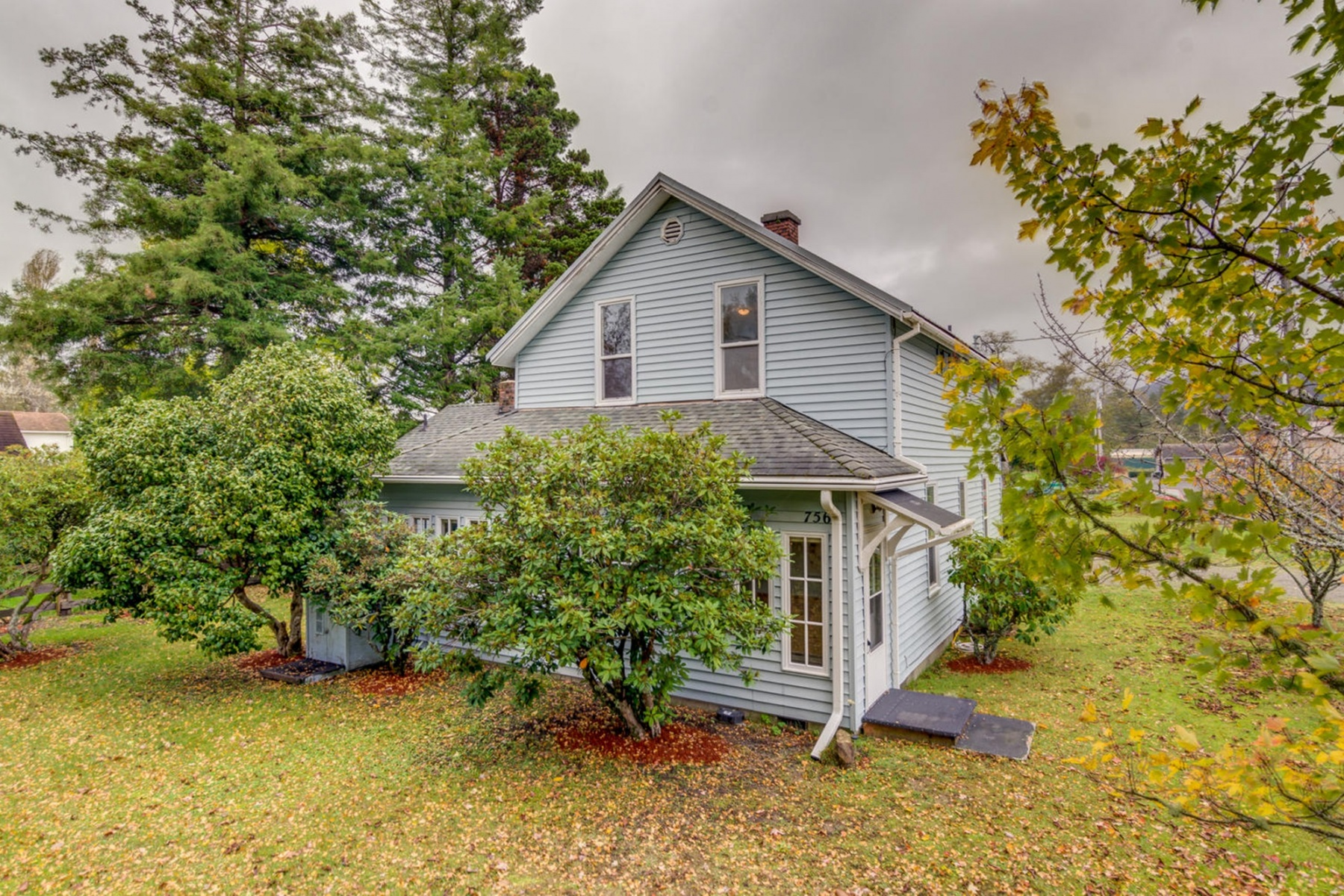 Single Family Homes for Sale at 756 State Route 101 756 State Rt 101 Chinook, Washington 98614 United States