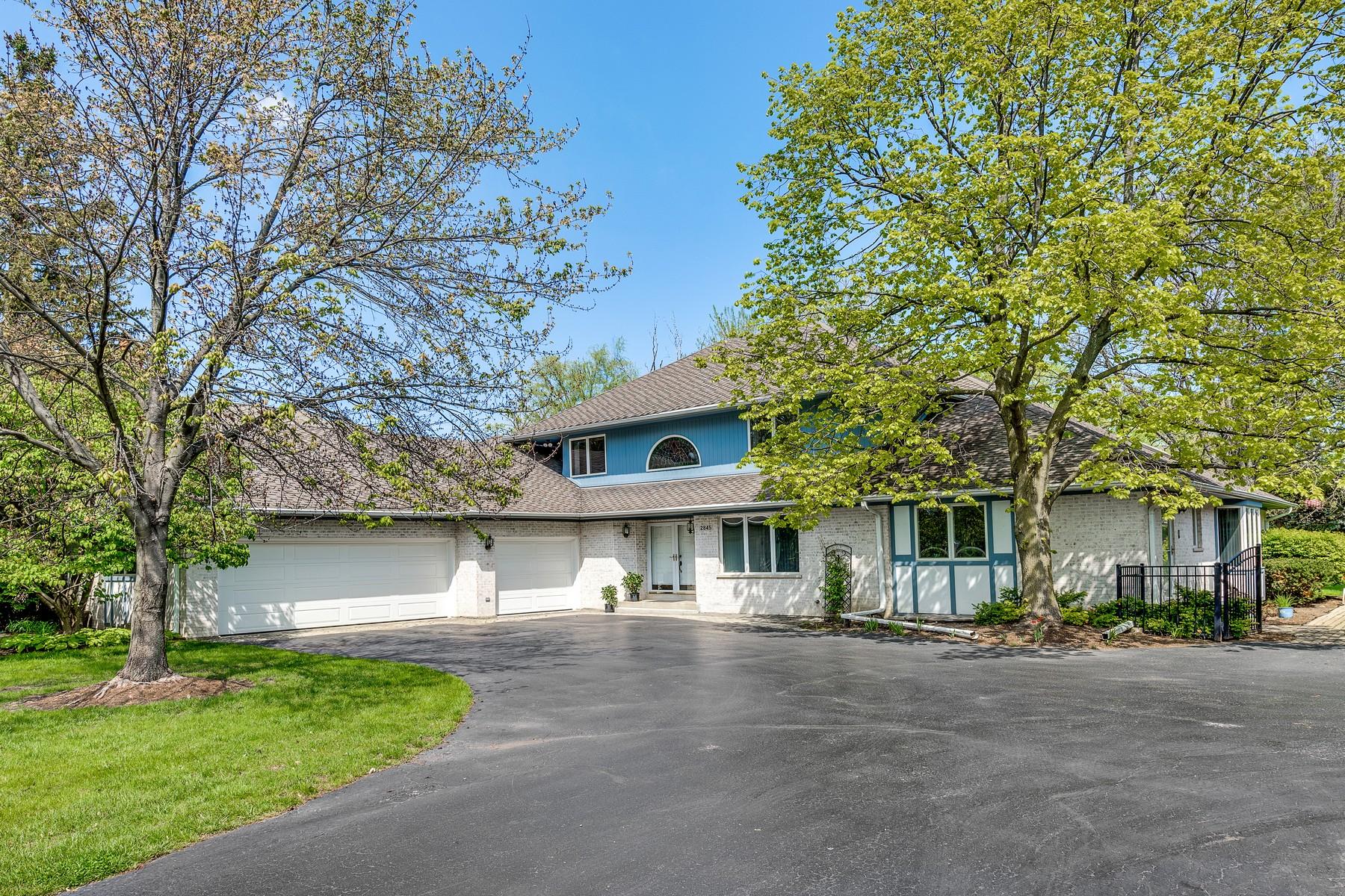 Villa per Vendita alle ore Must See Custom Home 2845 Landwehr Road Glenview, Illinois, 60062 Stati Uniti