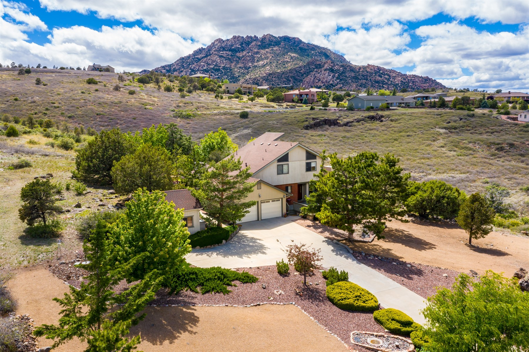 Single Family Homes for Sale at Absolutely Charming Ranch Home 6480 N Michele Lane Prescott, Arizona 86305 United States