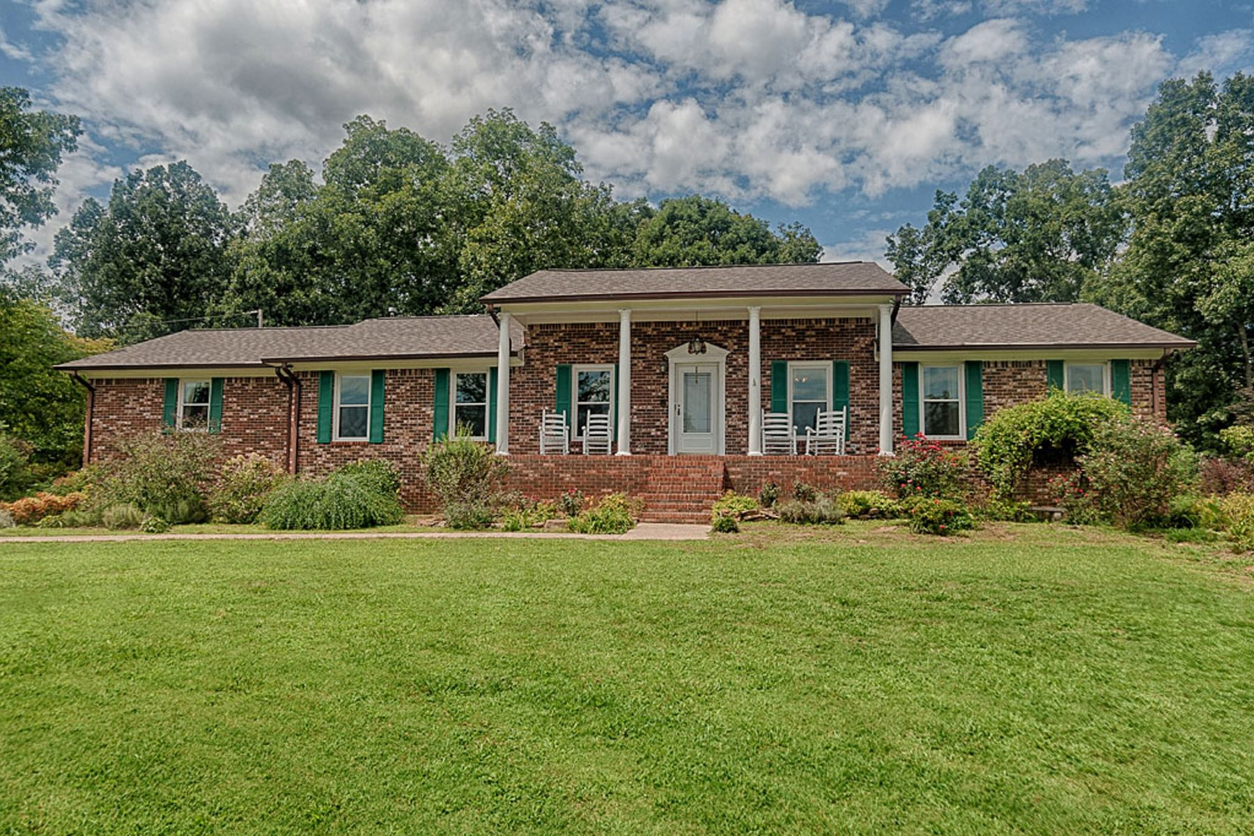 Single Family Home for Active at 7322 ALABAMA HIGHWAY 79 S Guntersville, Alabama 35976 United States