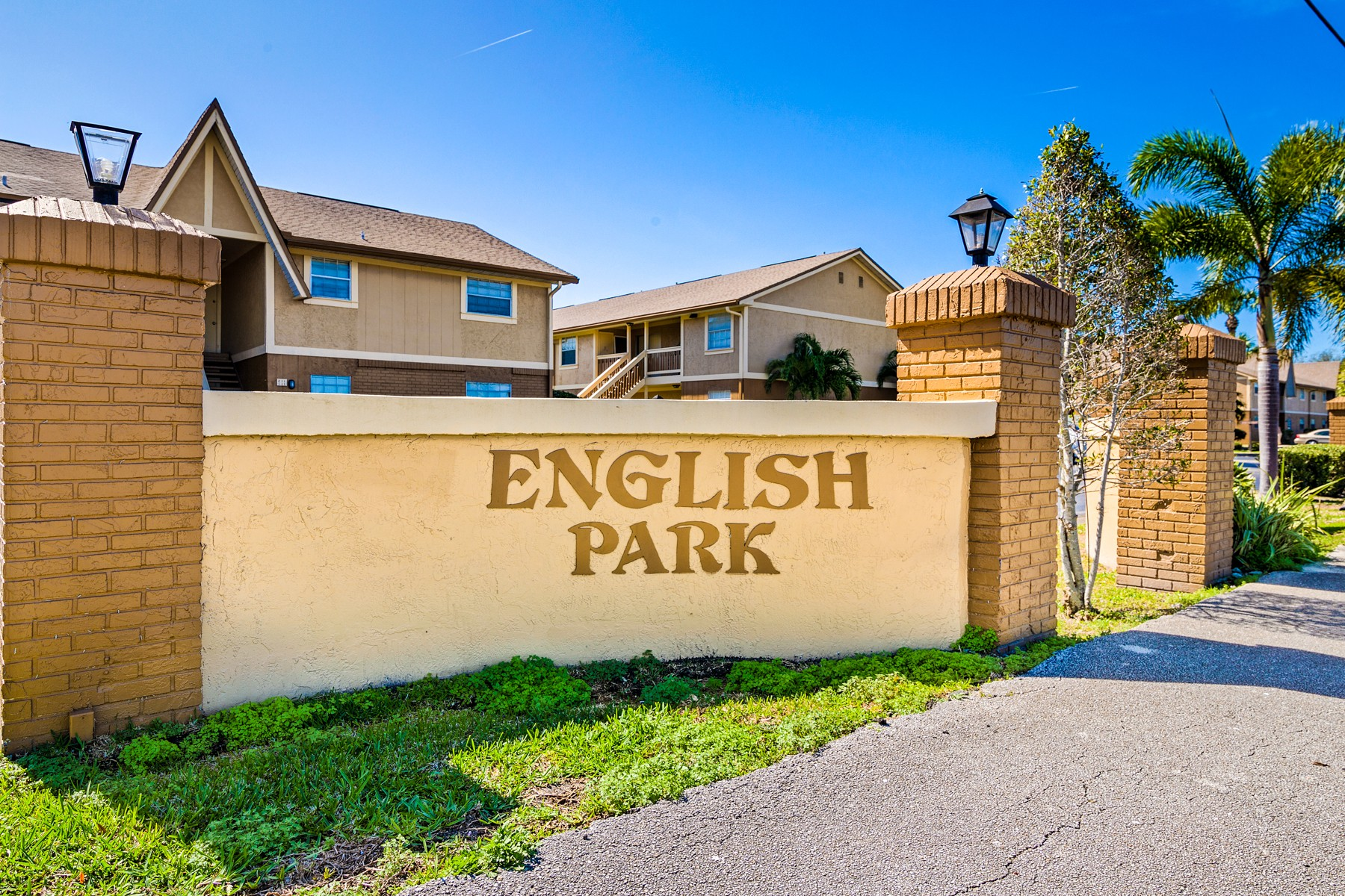 Property for Sale at Charming & Updated Condo in English Park. 222 Preston Lane Melbourne, Florida 32935 United States