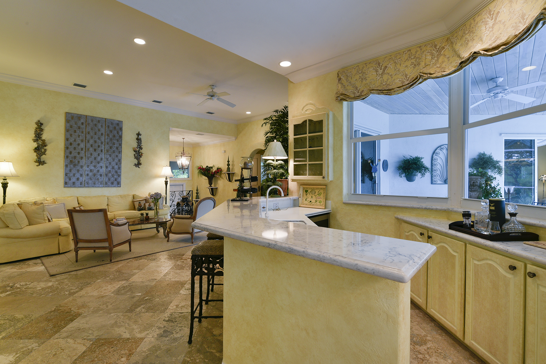 Additional photo for property listing at Golf and Lakefront View Home at Ocean Reef 18 Cinnamon Bark Lane Key Largo, Florida 33037 Amerika Birleşik Devletleri