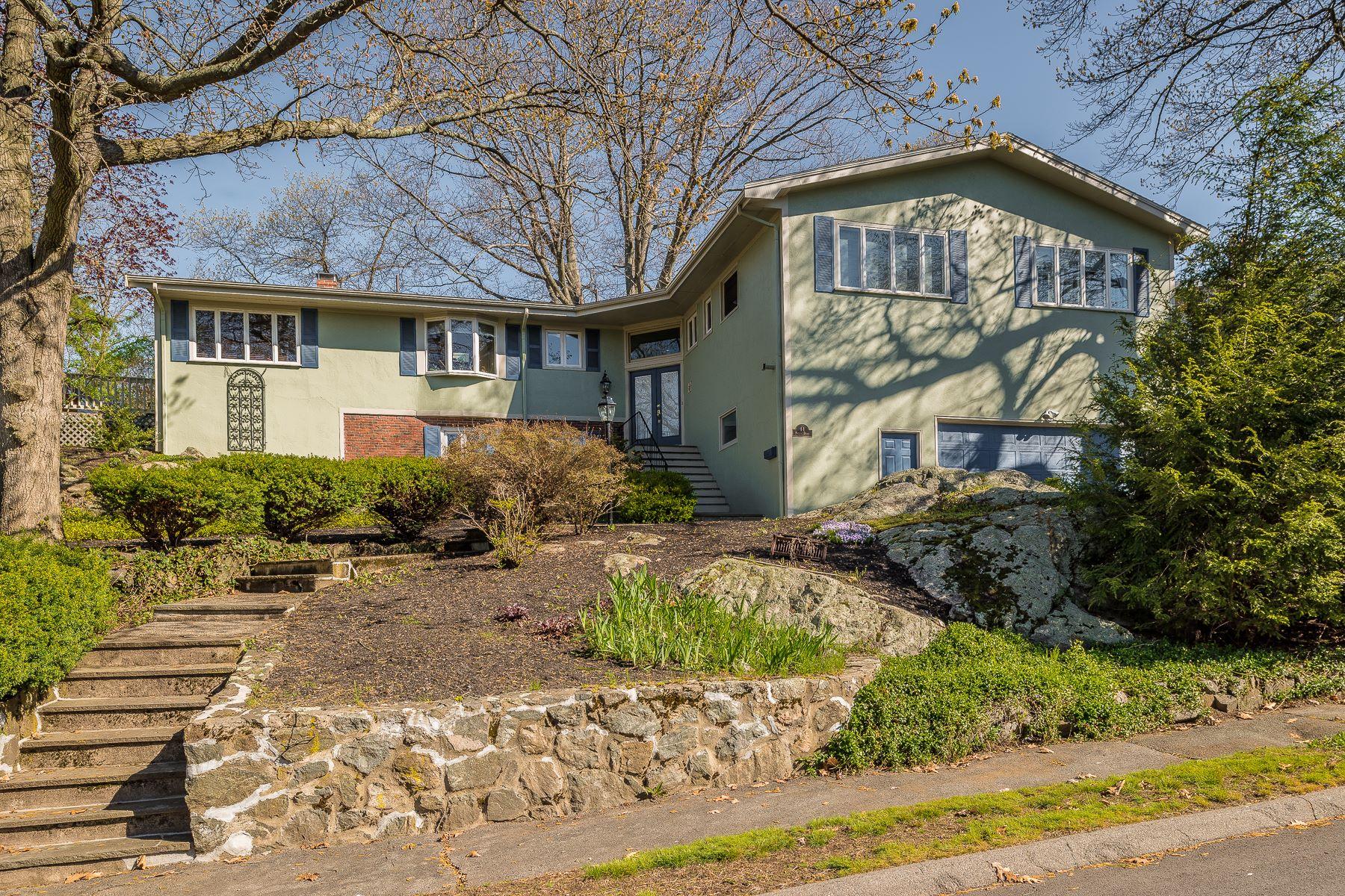 Einfamilienhaus für Verkauf beim Large Contemporary on a Secluded Street 14 Parsons Drive Swampscott, Massachusetts, 01907 Vereinigte Staaten