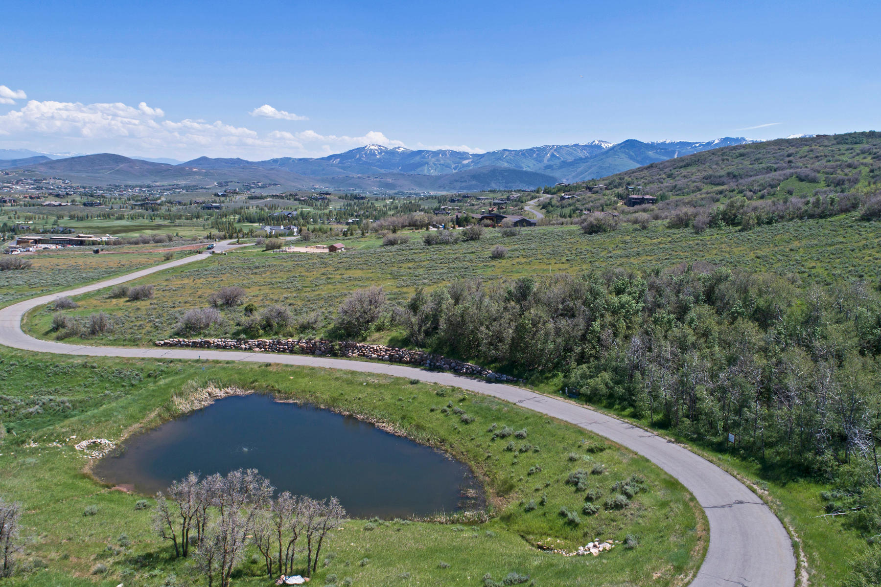 Terrain pour l Vente à 11 Acres of Unobstructed Views & Close to Everything 8193 N Red Fox Ct Lot 15 Park City, Utah, 84098 États-Unis