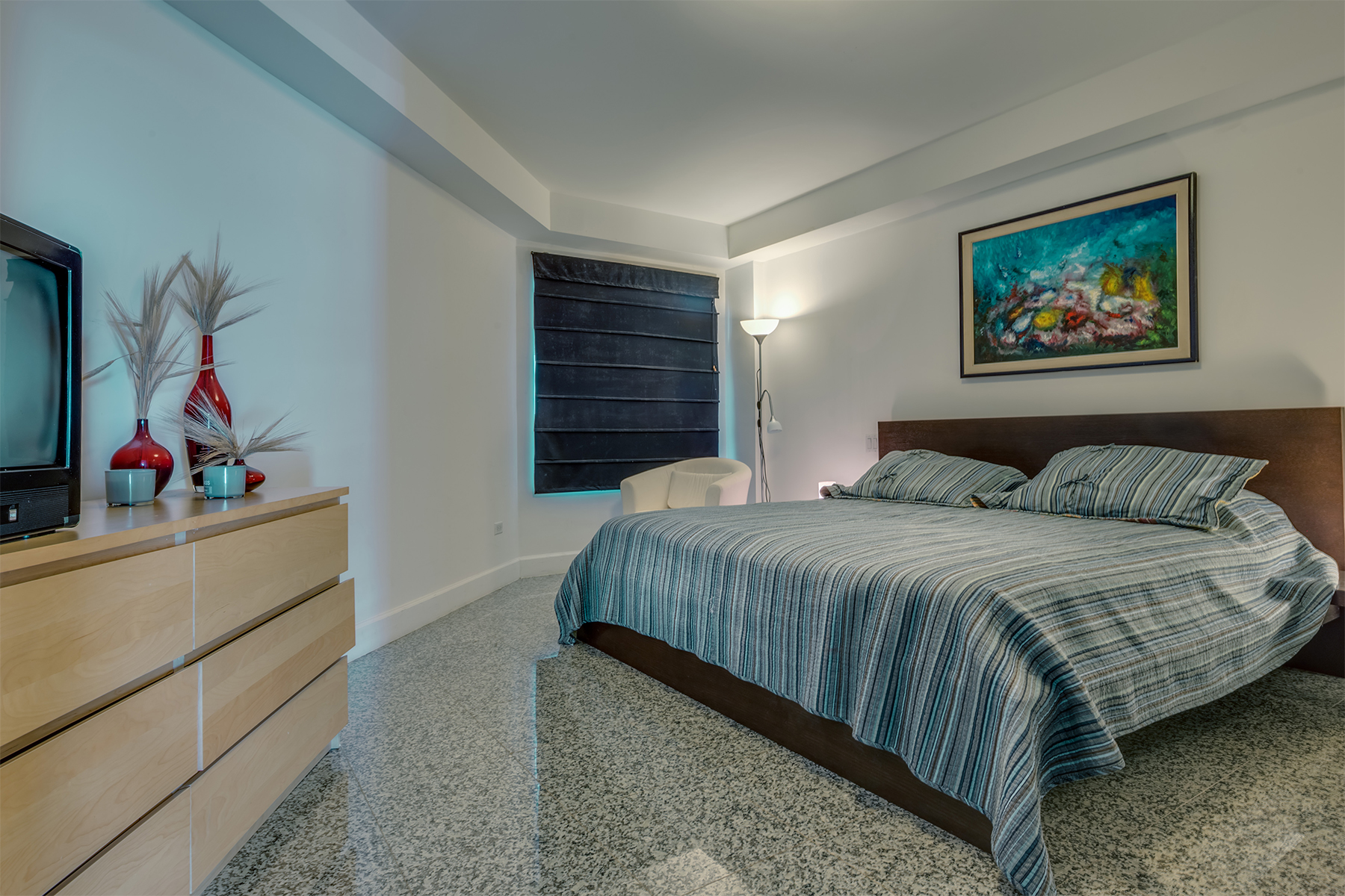 Additional photo for property listing at Oceania Oceanfront Suite Eagle Beach, Aruba Aruba