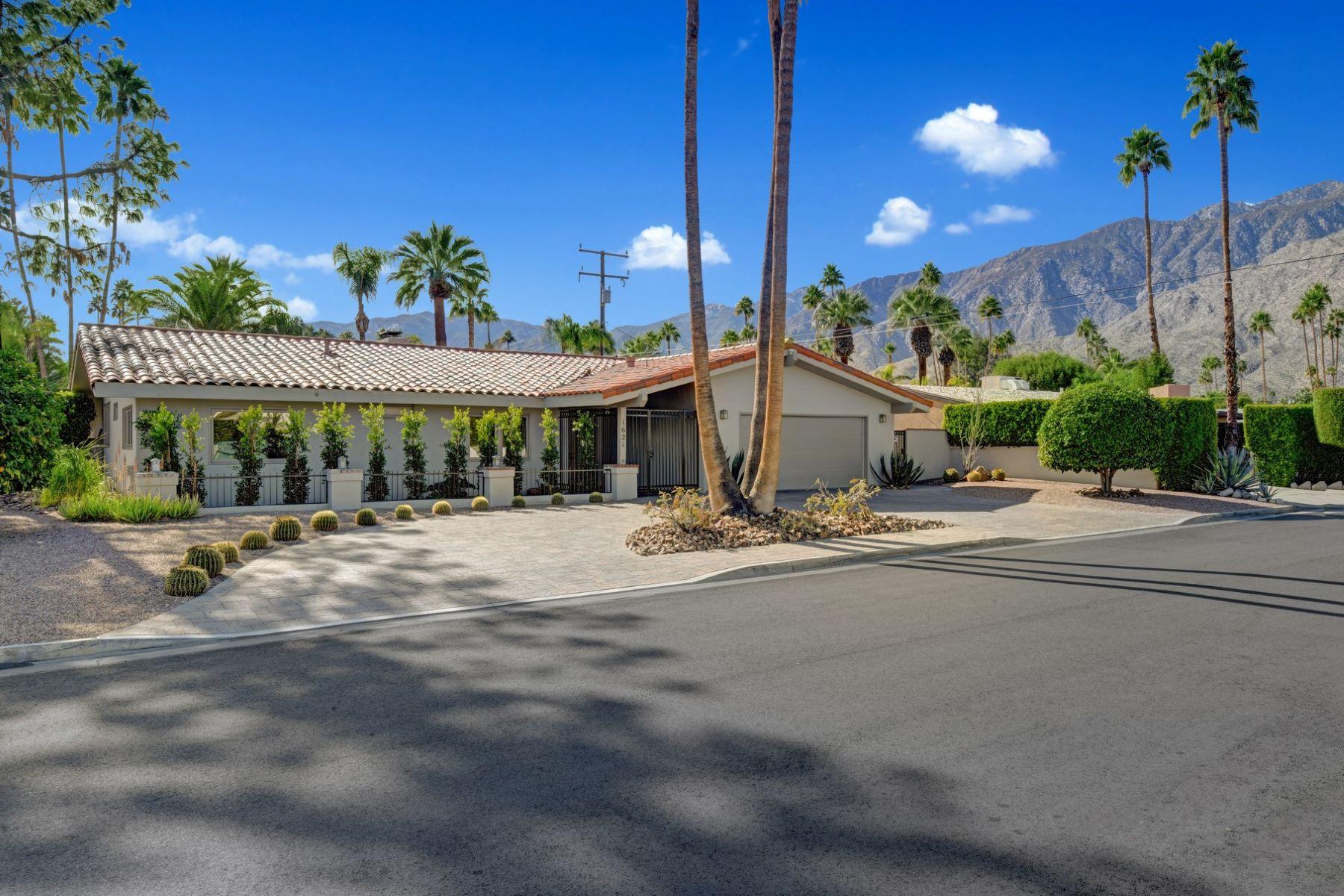 Single Family Homes para Venda às 1621 S Calle Marcus 1621 South Calle Marcus, Palm Springs, Califórnia 92264 Estados Unidos