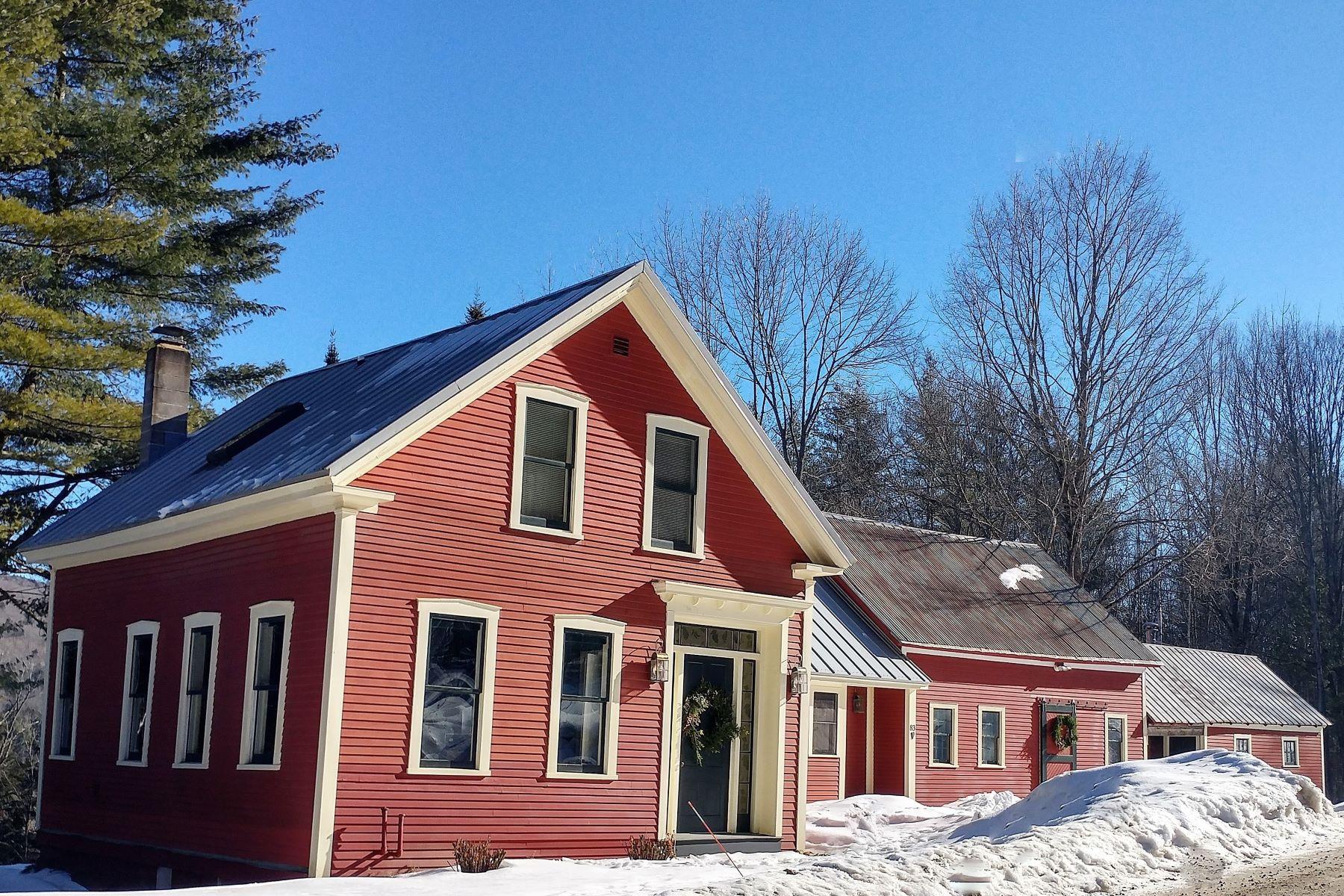 独户住宅 为 销售 在 Antique Farmhouse, river frontage, acreage 83 Webster, Roxbury, 佛蒙特州, 05669 美国