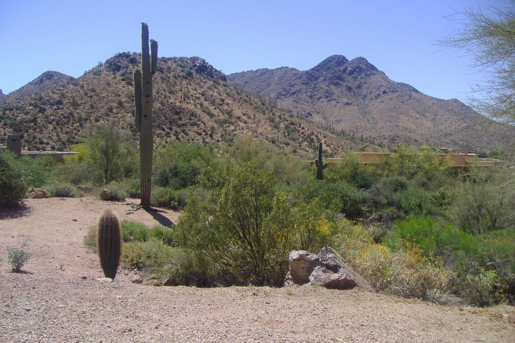 Terreno para Venda às Gently sloping lot with panoramic views of Troon Mountain 11429 E De La O Rd #53 Scottsdale, Arizona, 85255 Estados Unidos