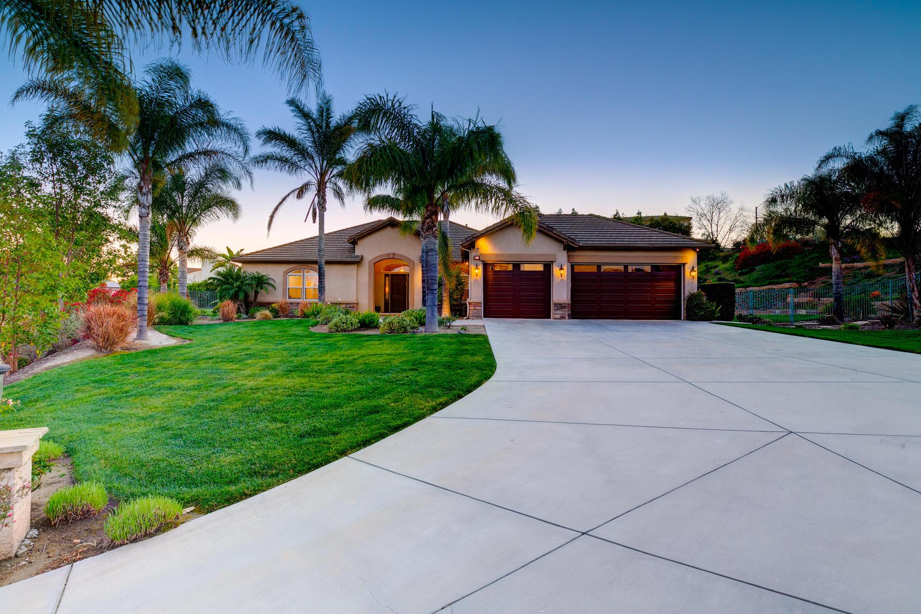 Single Family Homes para Venda às Bella Vista Estate 6851 Pueblo Vista, Camarillo, Califórnia 93012 Estados Unidos