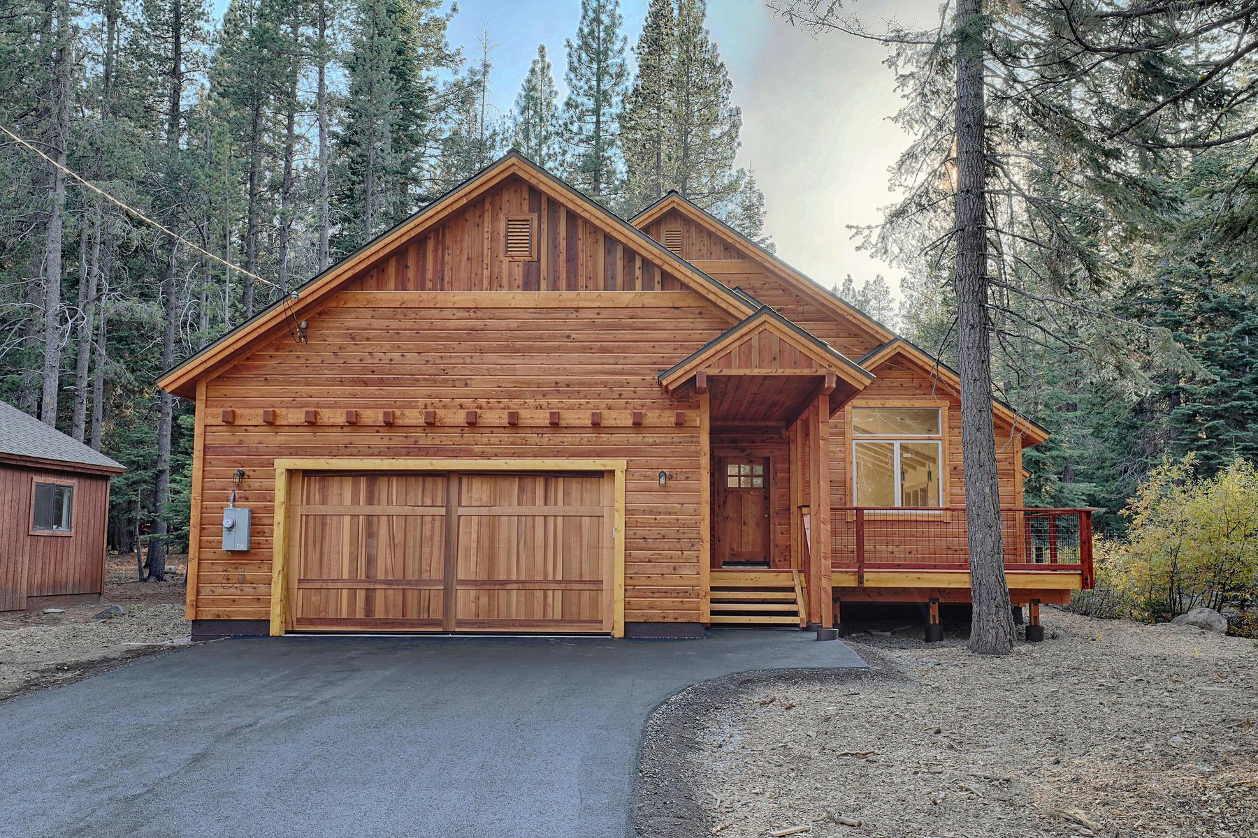 Single Family Homes 为 销售 在 Brand New Construction 13107 Roundhill Drive 特拉基, 加利福尼亚州 96161 美国