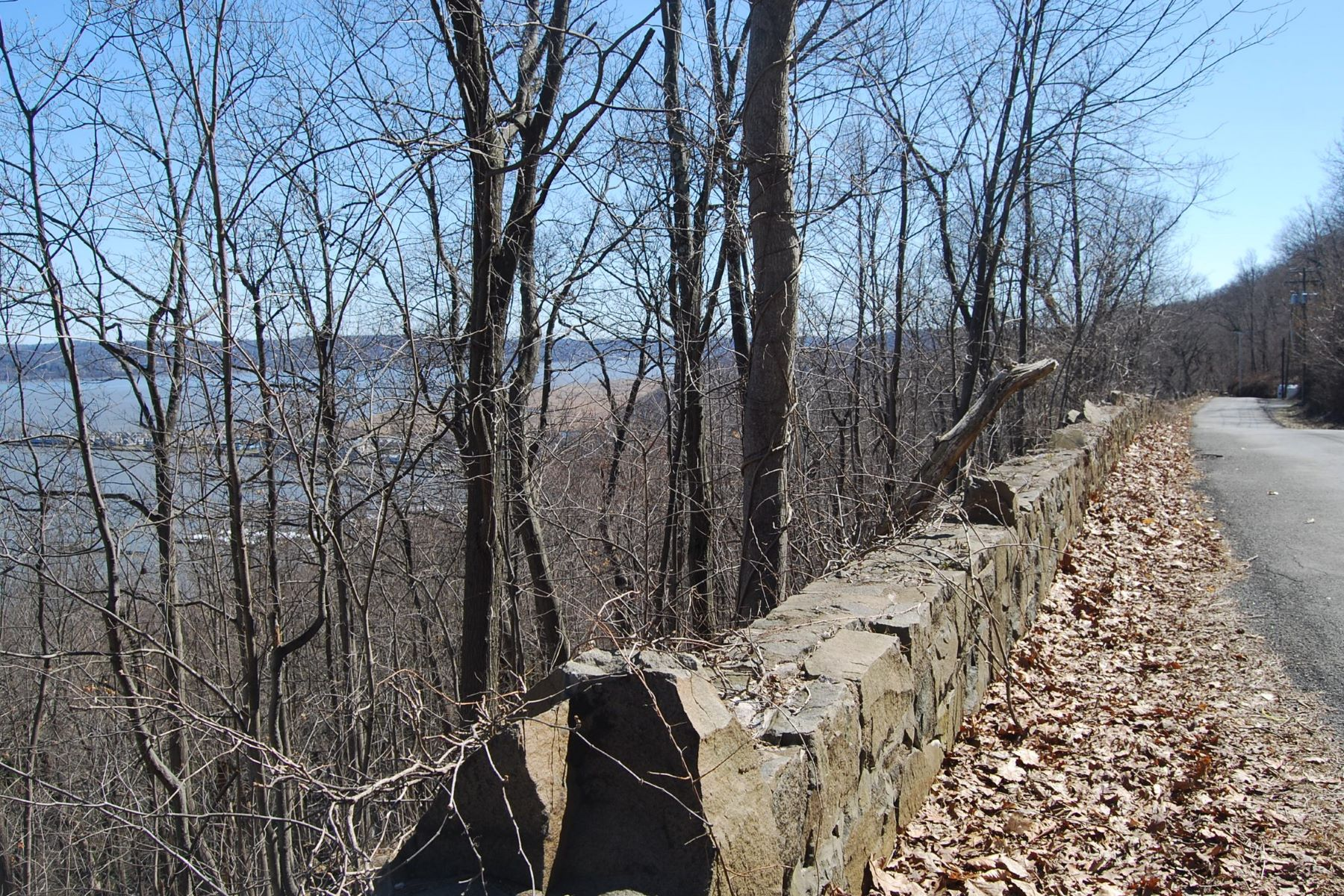 Land for Active at Magnificent Hudson River Views Tweed Blvd. Upper Grandview, New York 10960 United States