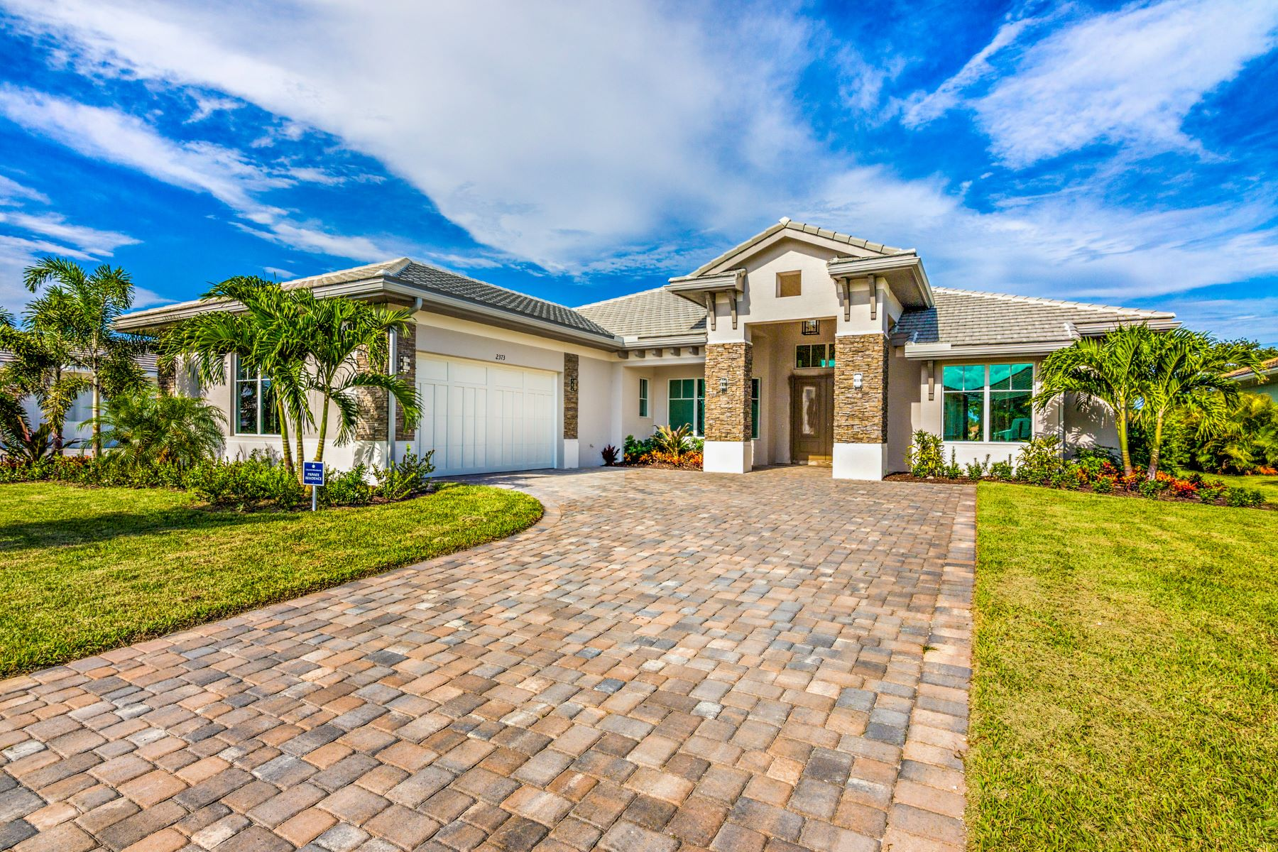 Single Family Homes für Verkauf beim Luxury New Construction in Grand Harbor 2356 Grand Harbor Reserve Square Vero Beach, Florida 32967 Vereinigte Staaten