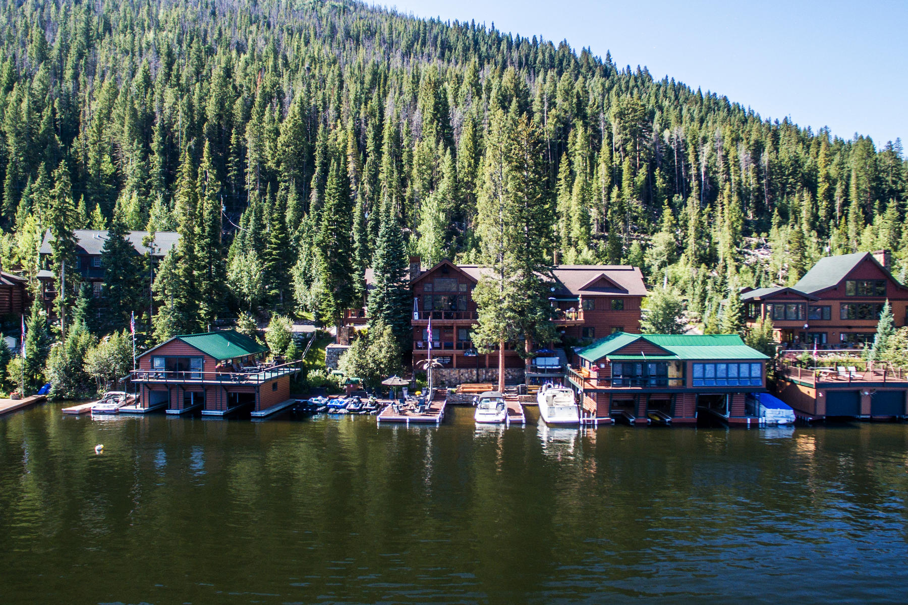 Casa Unifamiliar por un Venta en A Property Unlike Any Other On Grand Lake! 500-504 and 514 CR 697 (Jericho Road) Grand Lake, Colorado 80447 Estados Unidos