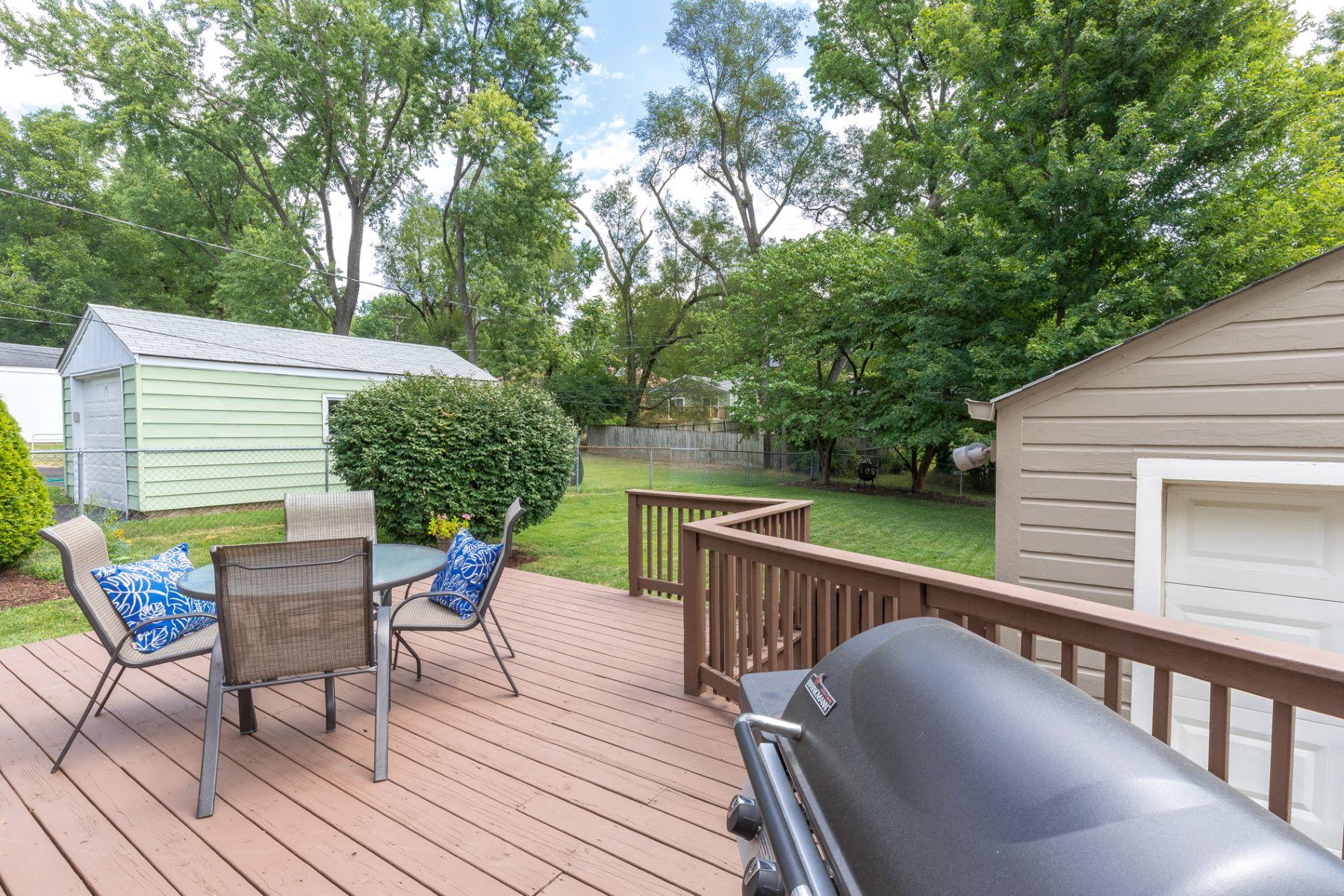 Additional photo for property listing at Lawndell Dr 2860 Lawndell Drive 布洛特伍德, 密苏里州 63144 美国