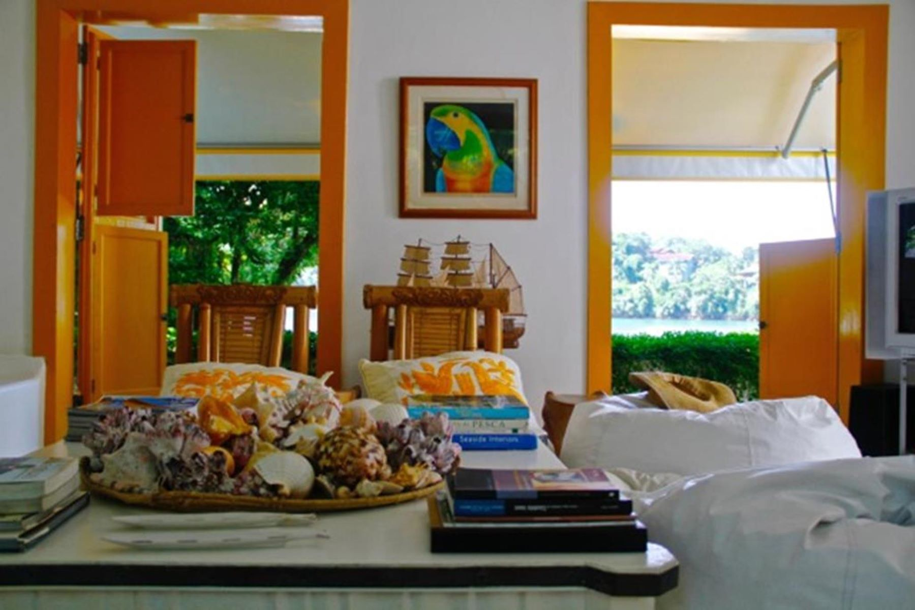 واحد منزل الأسرة للـ Sale في Charming island house Angra Dos Reis, Rio De Janeiro, Brazil