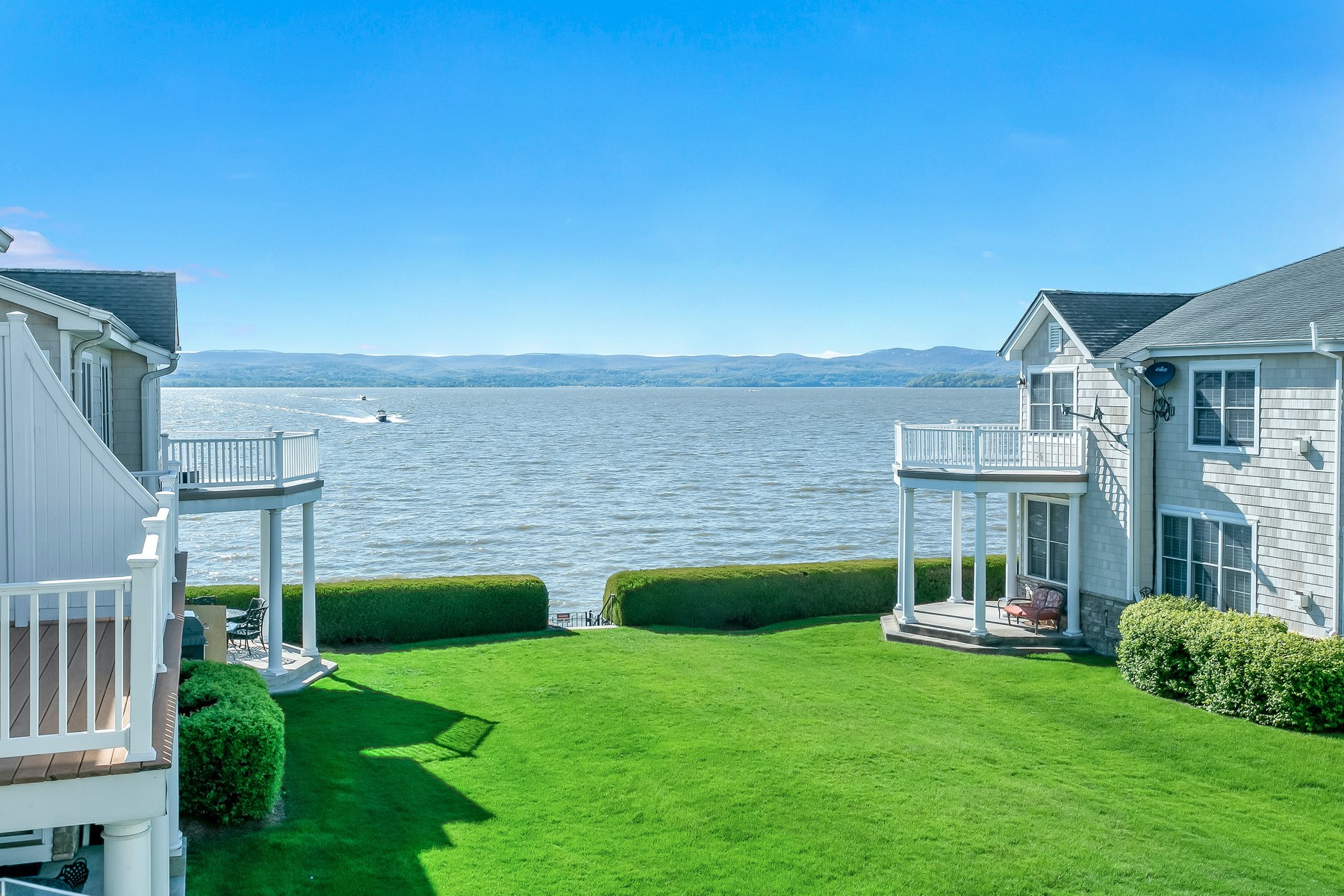 townhouses 為 出售 在 Vacation Lifestyle Every Day 710 Half Moon Bay Drive, Croton On Hudson, 纽约 10520 美國
