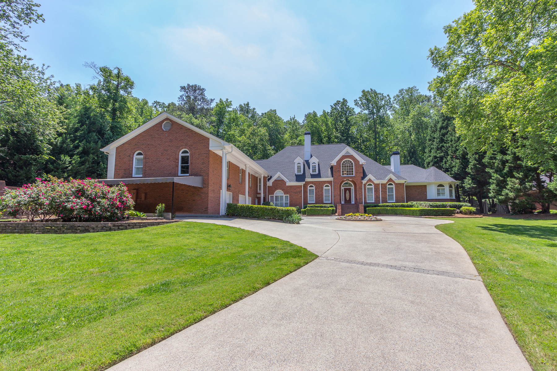 Single Family Home for Sale at Privacy At Its Finest At An Incredible Value 620 Heards Ferry Road Atlanta, Georgia, 30328 United States