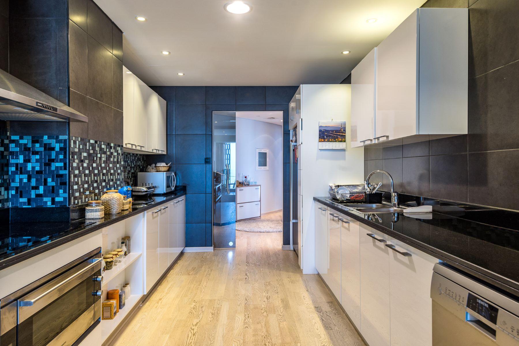 Apartment for Sale at Cayan Tower Apartment Dubai, Dubai United Arab Emirates
