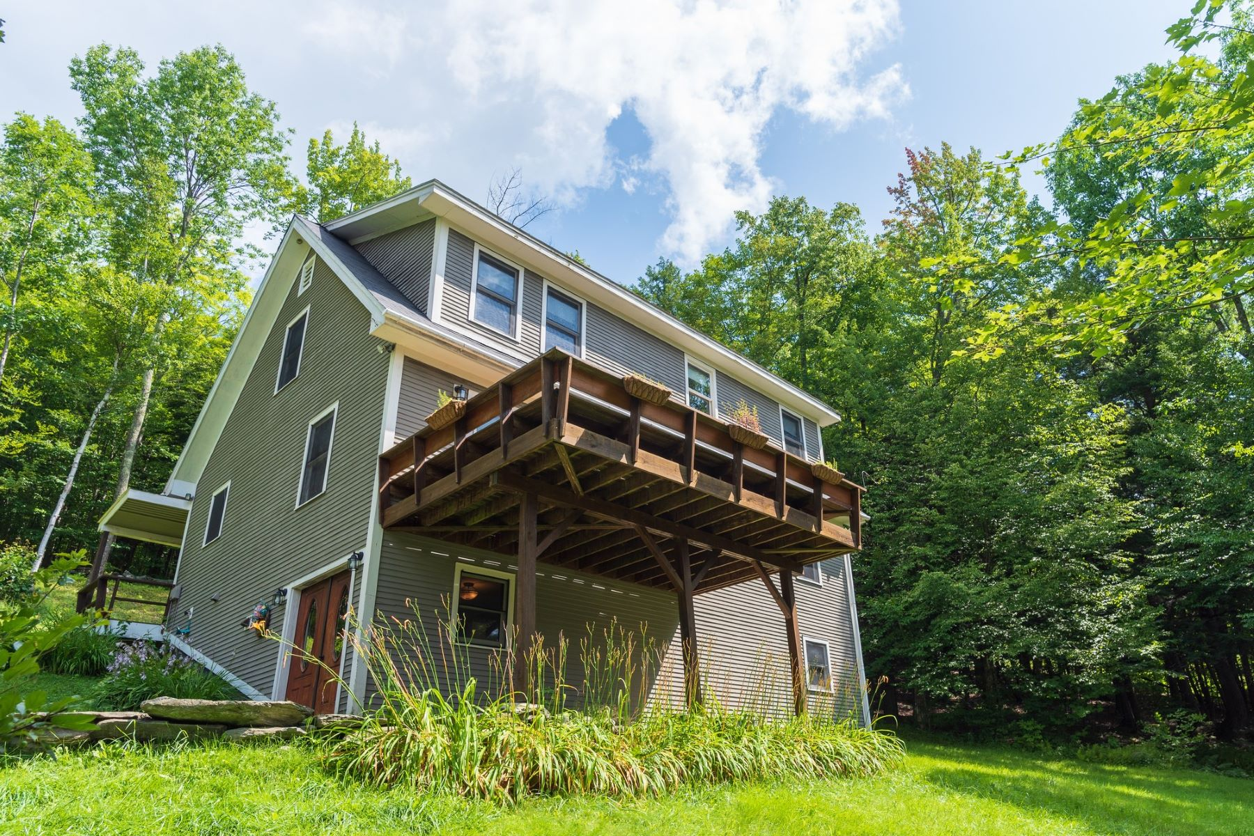 Single Family Homes for Sale at 247 Smith Road, Fayston 247 Smith Rd Fayston, Vermont 05660 United States