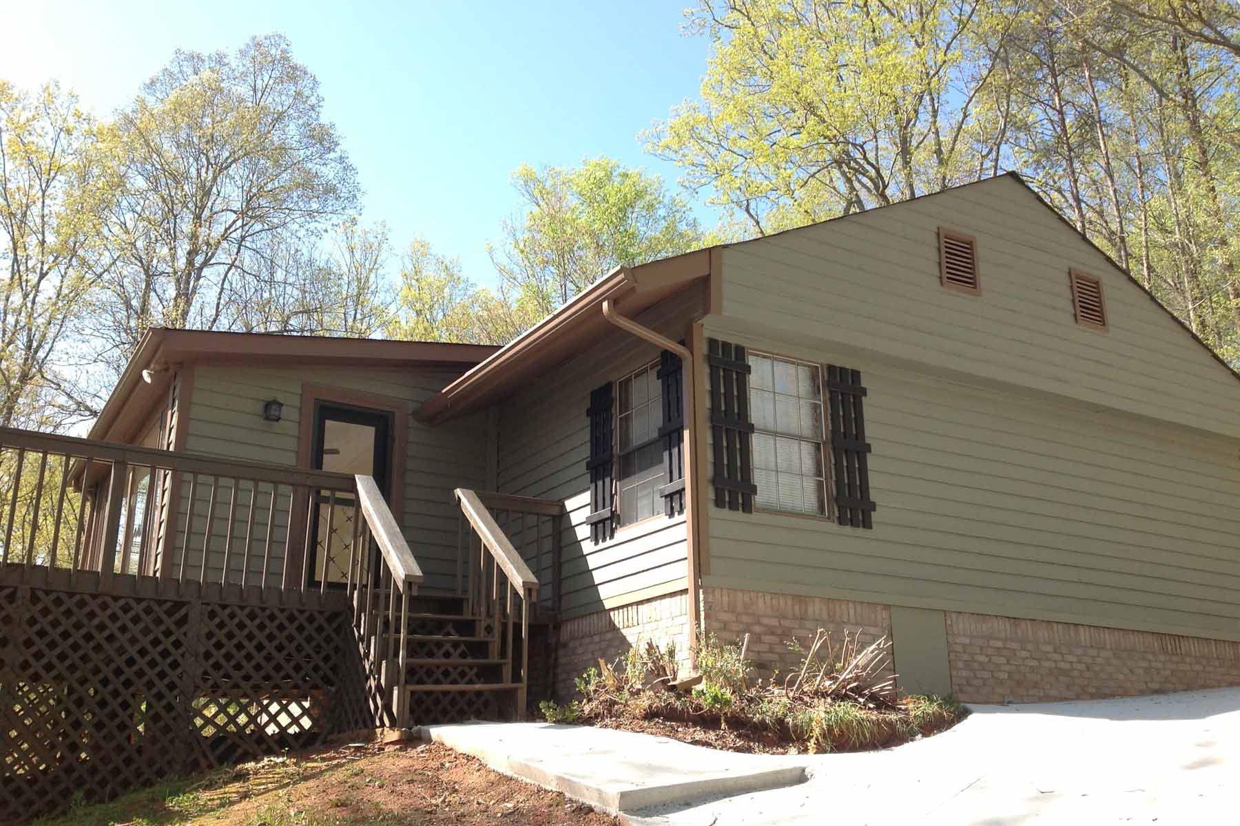 Casa para uma família para Venda às Completely Remodeled Getaway 2388 Ford White Road Gainesville, Geórgia, 30506 Estados Unidos