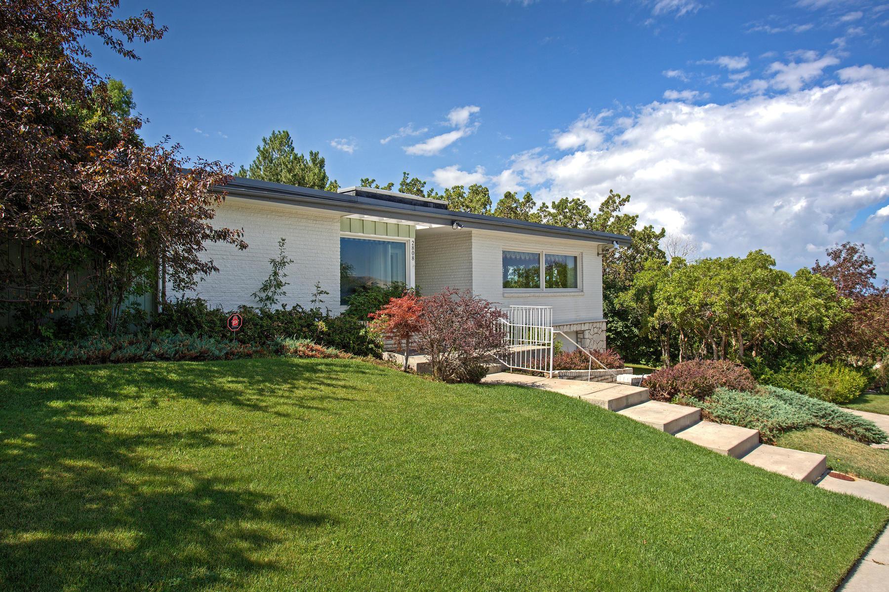 Частный односемейный дом для того Продажа на 2808 E Oquirrh Dr Salt Lake City, Юта, 84108 Соединенные Штаты