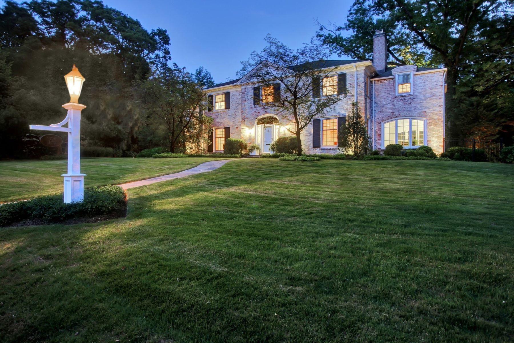 Enfamiljshus för Försäljning vid Iconic Colonial 74 Taylor Road, Short Hills, New Jersey 07078 Usa