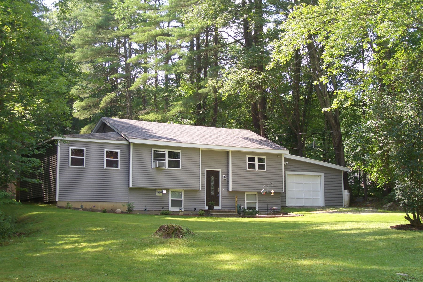 Single Family Home for Sale at 3167 Creek Road, Clarendon 3167 Creek Rd Clarendon, Vermont, 05759 United States