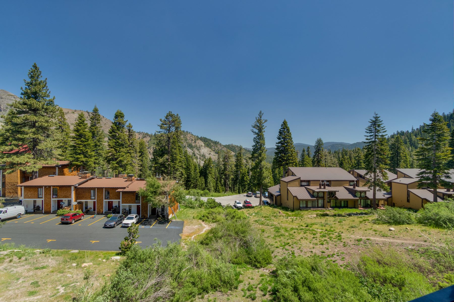 Additional photo for property listing at Alpine Meadows Mountain Condo 2201 Scotts Peak Place #28 Alpine Meadows, California 96146 United States