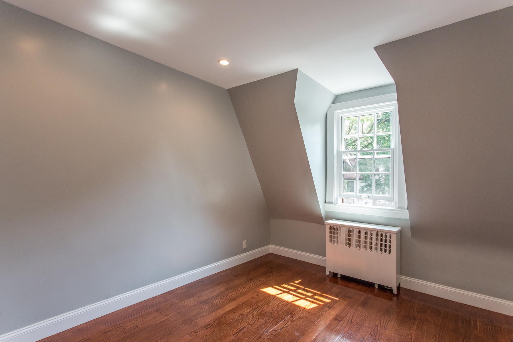 "Additional photo for property listing at ""DESIGNER LOFT LIVING"" 289 Burns Street Forest Hills, Nueva York 11375 Estados Unidos"