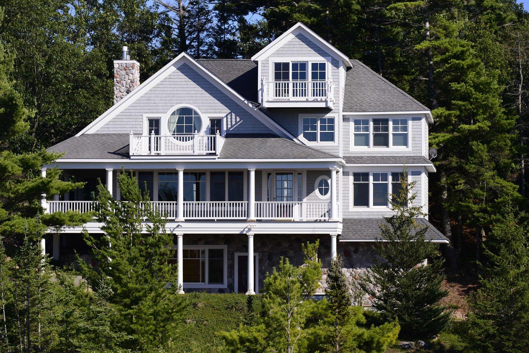 Maison unifamiliale pour l Vente à Sturgeon Bay spectacular custom home 3615 Sturgeon Bay Shores Cross Village, Michigan, 49723 États-Unis
