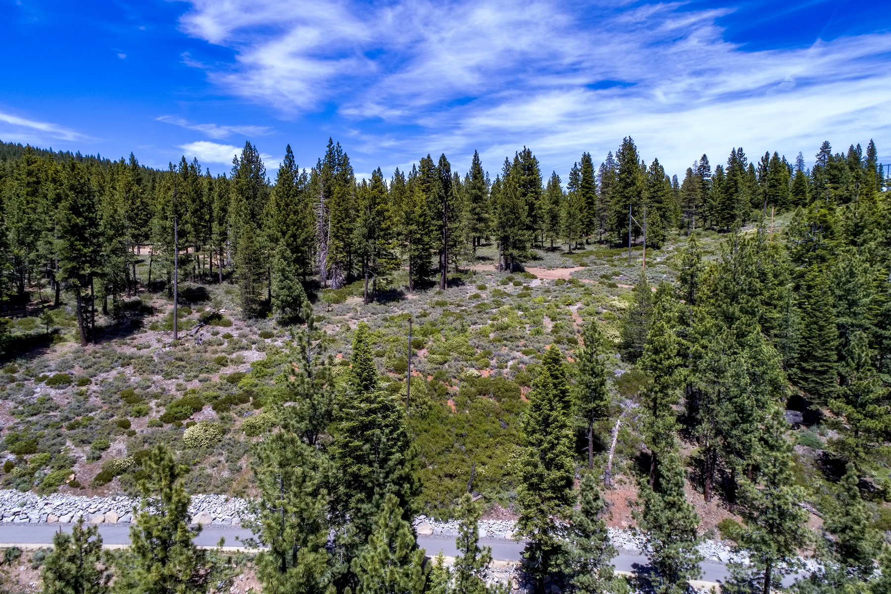 Additional photo for property listing at 000 Pioneer Trail, Truckee, CA 96161 000 Pioneer Trail 特拉基, 加利福尼亚州 96161 美国