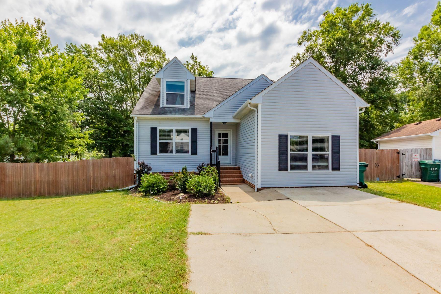 single family homes pour l Vente à Burnetts Mill 189 Kristen Lane Suffolk, Virginia 23434 États-Unis