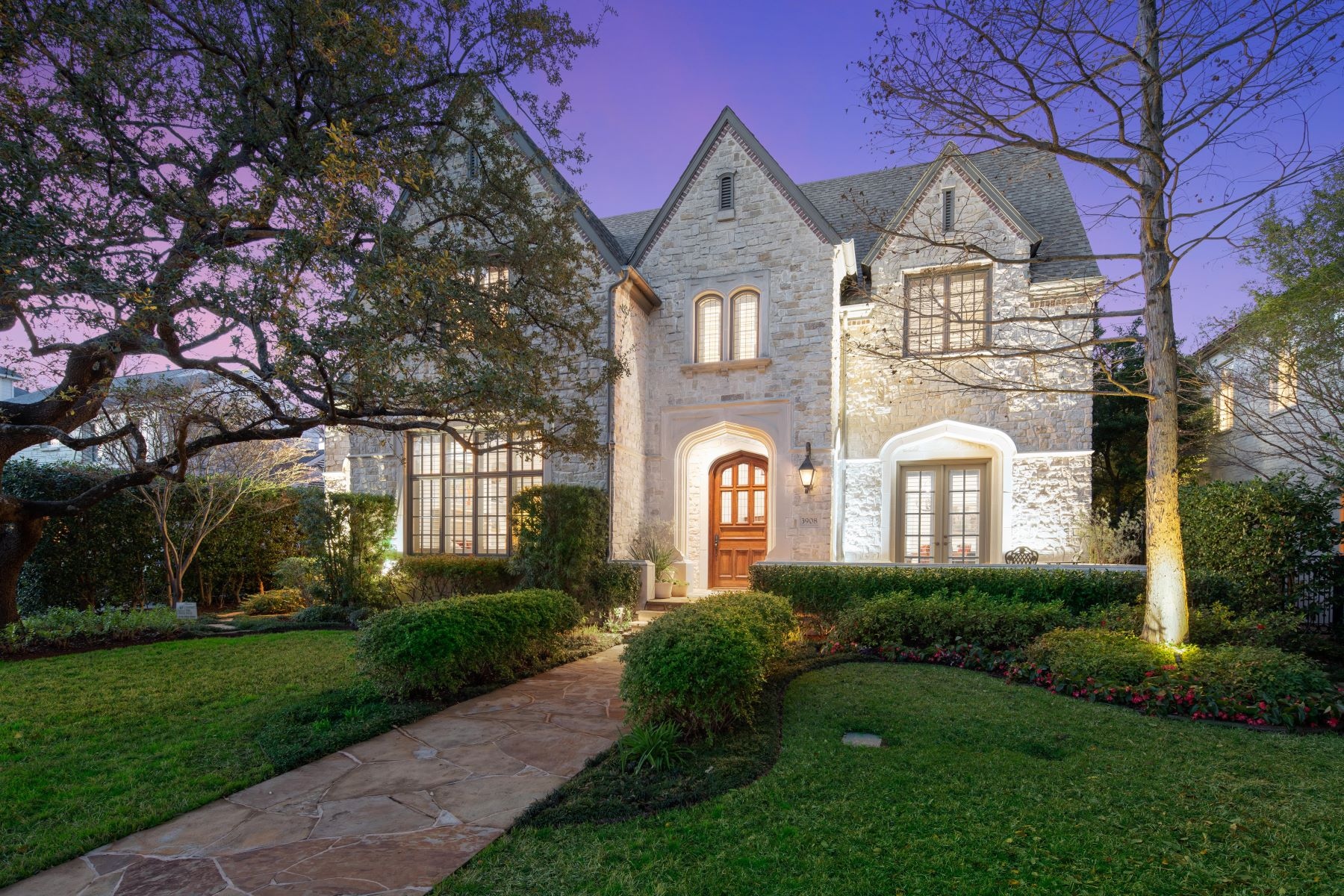 Single Family Homes for Sale at Stunning in University Park ! 3908 Greenbrier Drive University Park, Texas 75225 United States