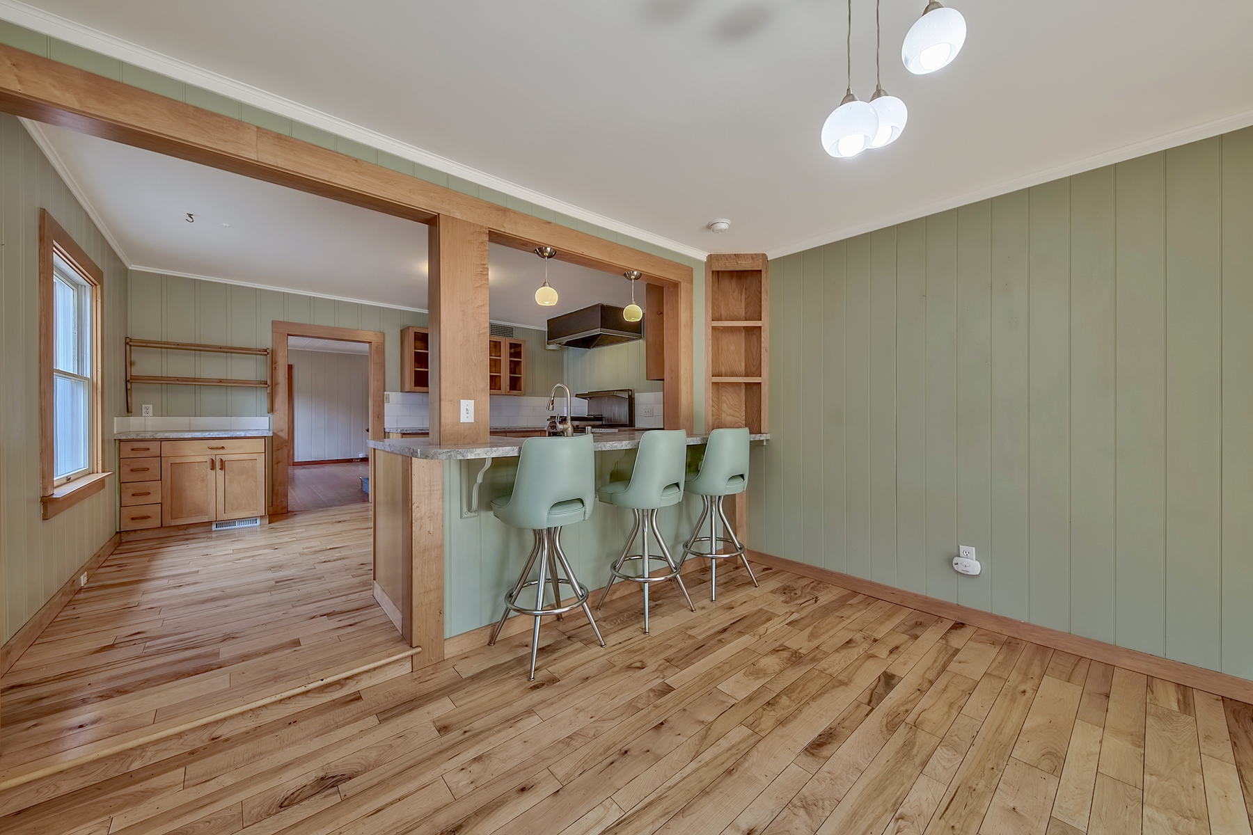 Additional photo for property listing at 10056 Sierra Avenue, Truckee CA 96161 10056 Sierra Avenue Truckee, California 96161 United States