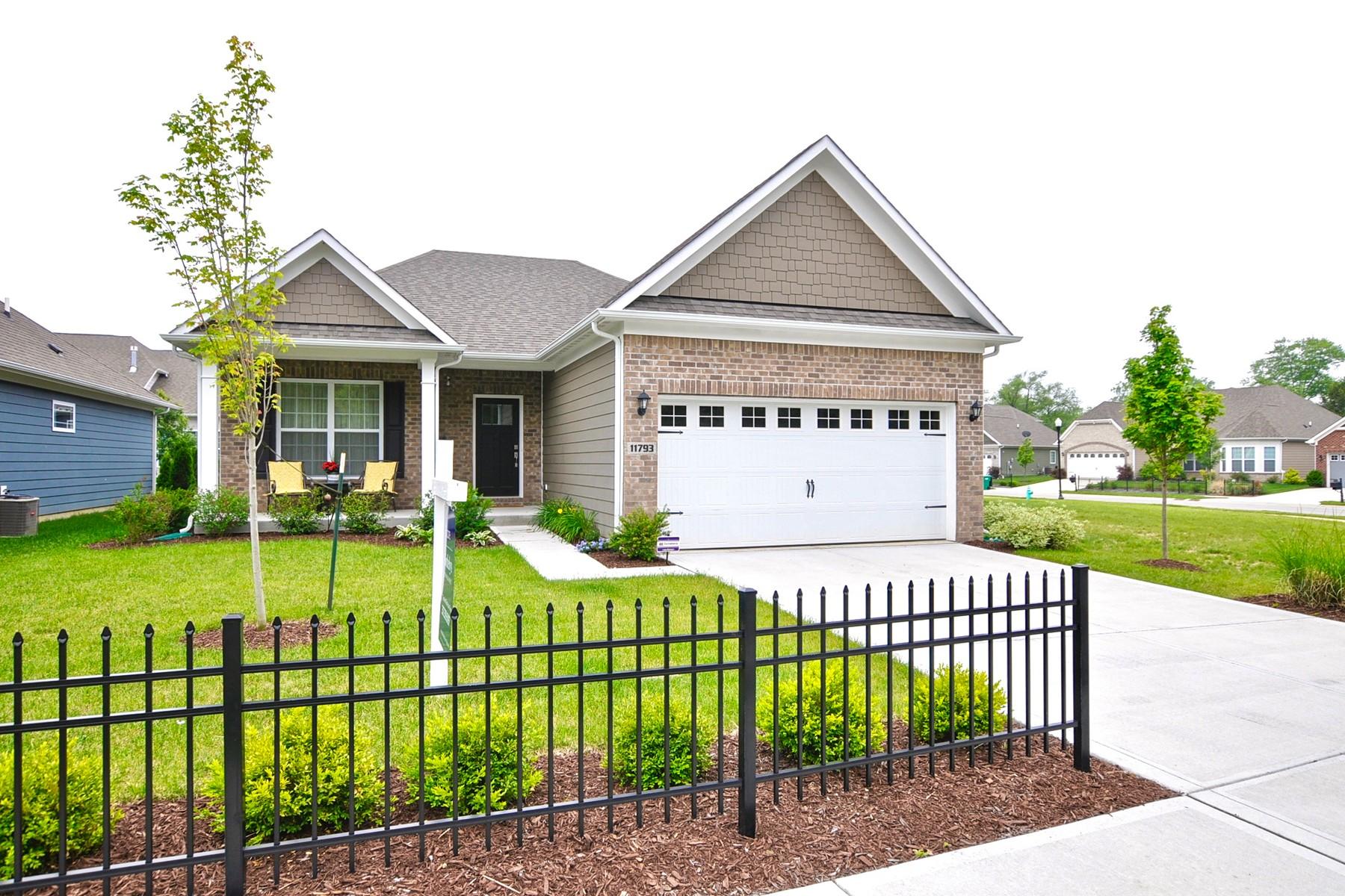 獨棟家庭住宅 為 出售 在 Fantastic Ranch Home with Finished Basement 11793 Avedon Drive Zionsville, 印第安那州, 46077 美國