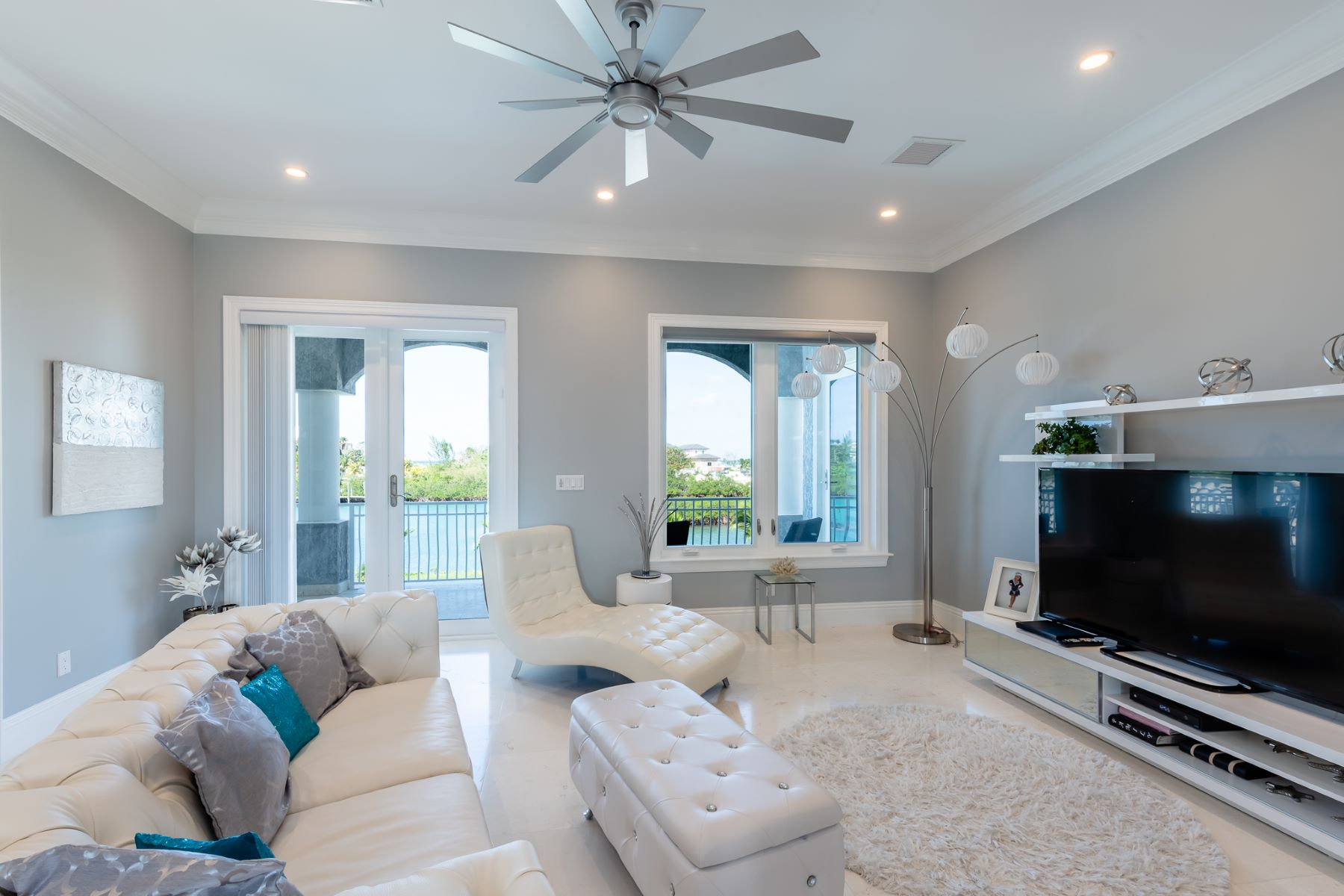 Additional photo for property listing at Fincastle #8, Old Fort Bay Old Fort Bay, Nassau And Paradise Island Bahamas