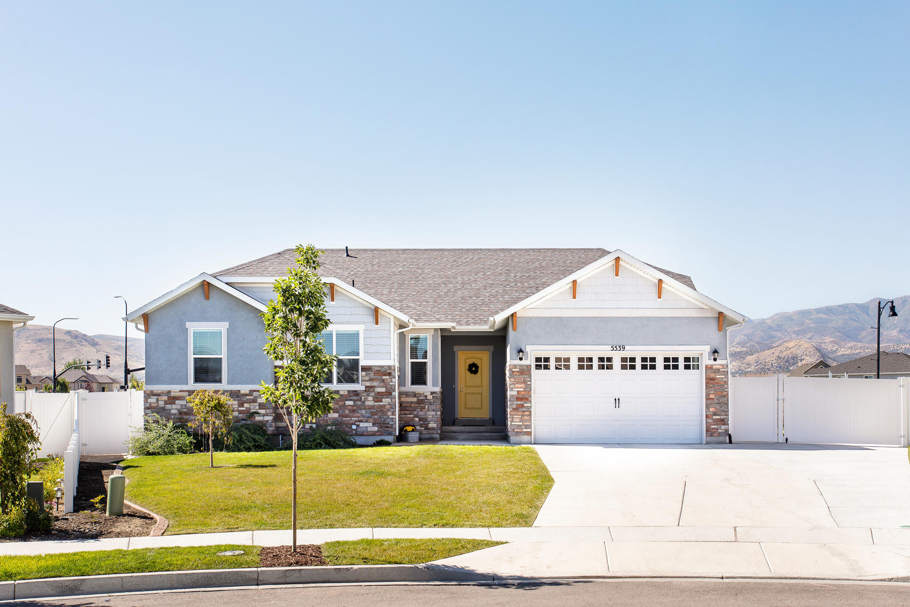 Single Family Homes for Sale at Spacious American Craftsman Style Home 5539 W Iron King Cove, Herriman, Utah 84096 United States