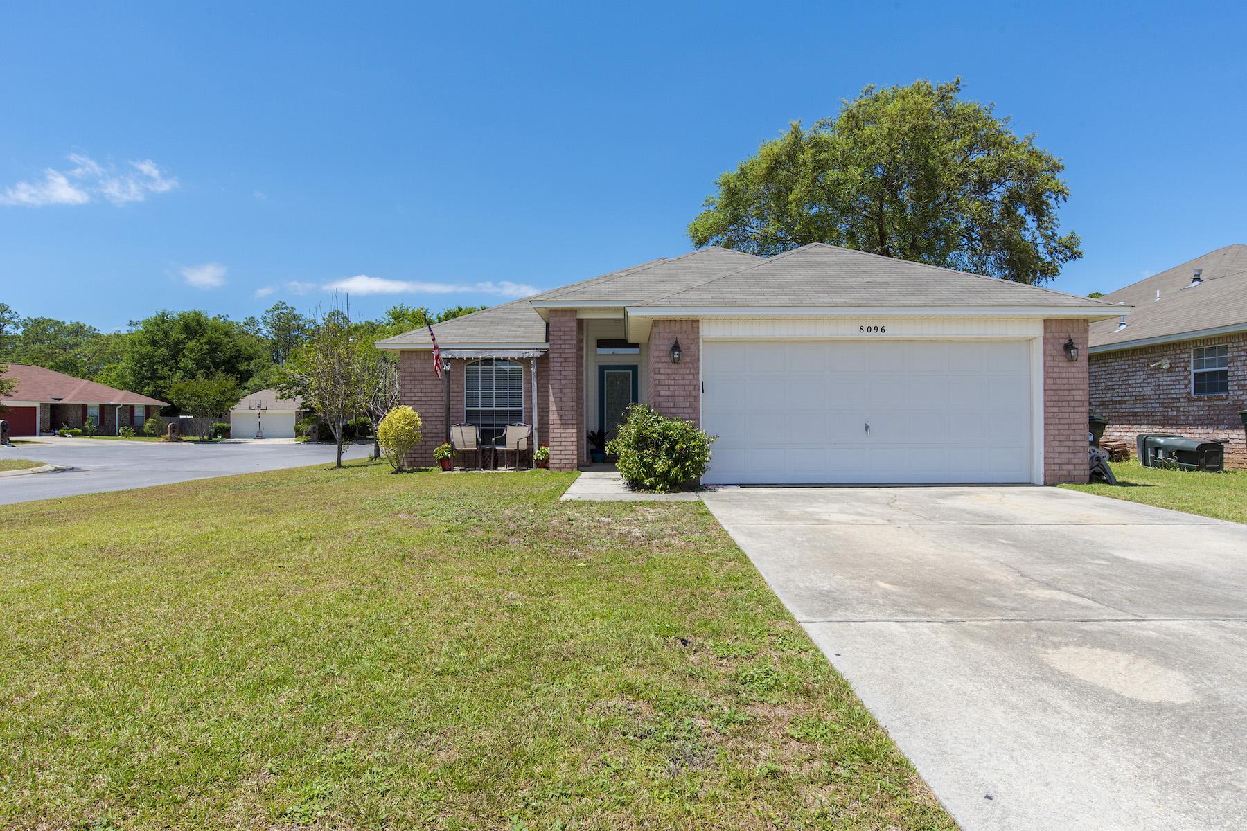 Casa Unifamiliar por un Venta en Crown Pointe 8096 Castle Pointe Way Pensacola, Florida, 32506 Estados Unidos