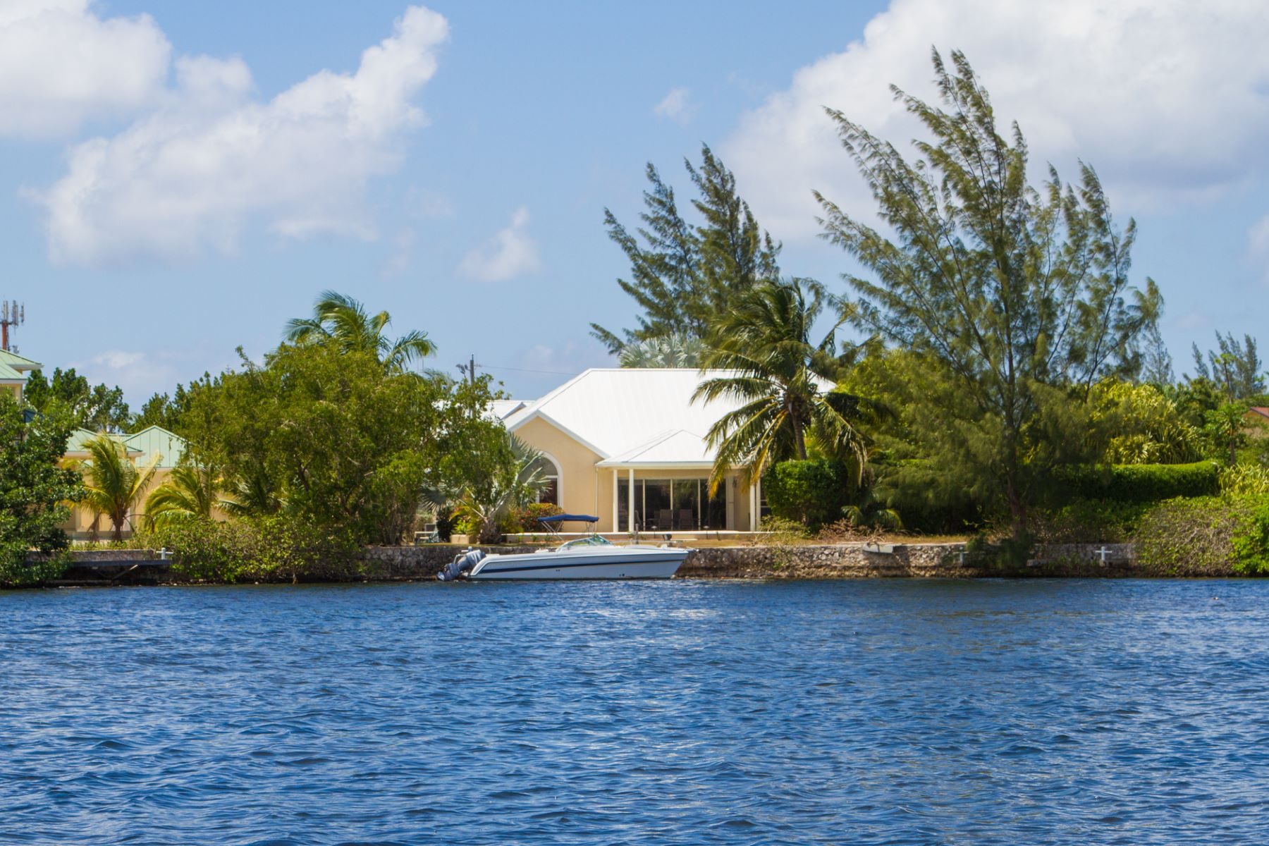 Additional photo for property listing at Patrick's Island Executive Villa Other Cayman Islands,  Cayman Islands